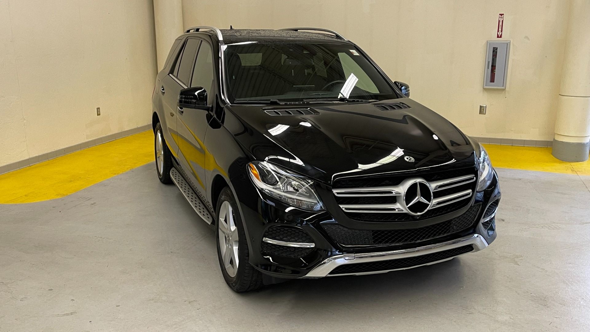 Used 2018 Mercedes-Benz GLE 350 4MATIC / PREMIUM / PRK ASST / H/K SND / KEYLESS-GO / REARVIEW for sale $42,495 at Formula Imports in Charlotte NC 28227 6