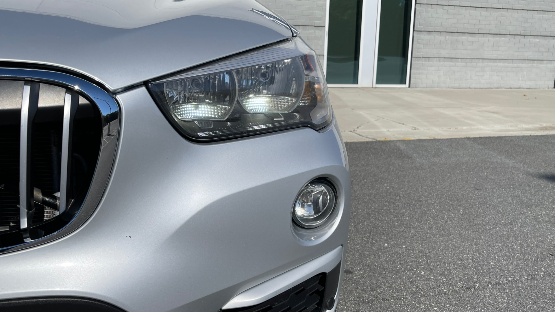 Used 2017 BMW X1 SDRIVE28I 2.0L / 8-SPD AUTO / DRIVER ASST / PANO-ROOF / REARVIEW for sale $26,995 at Formula Imports in Charlotte NC 28227 11