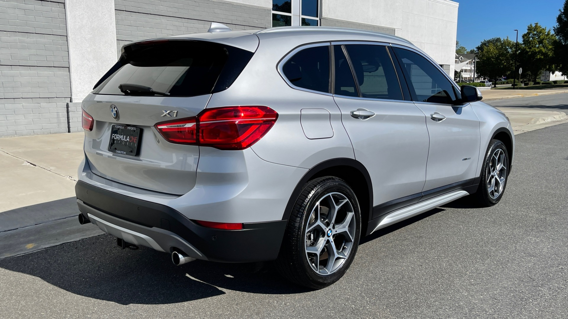 Used 2017 BMW X1 SDRIVE28I 2.0L / 8-SPD AUTO / DRIVER ASST / PANO-ROOF / REARVIEW for sale $26,995 at Formula Imports in Charlotte NC 28227 2