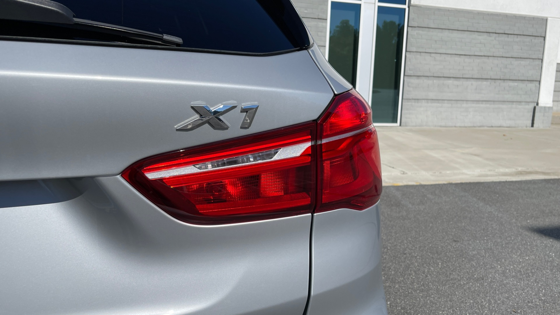 Used 2017 BMW X1 SDRIVE28I 2.0L / 8-SPD AUTO / DRIVER ASST / PANO-ROOF / REARVIEW for sale $26,995 at Formula Imports in Charlotte NC 28227 21