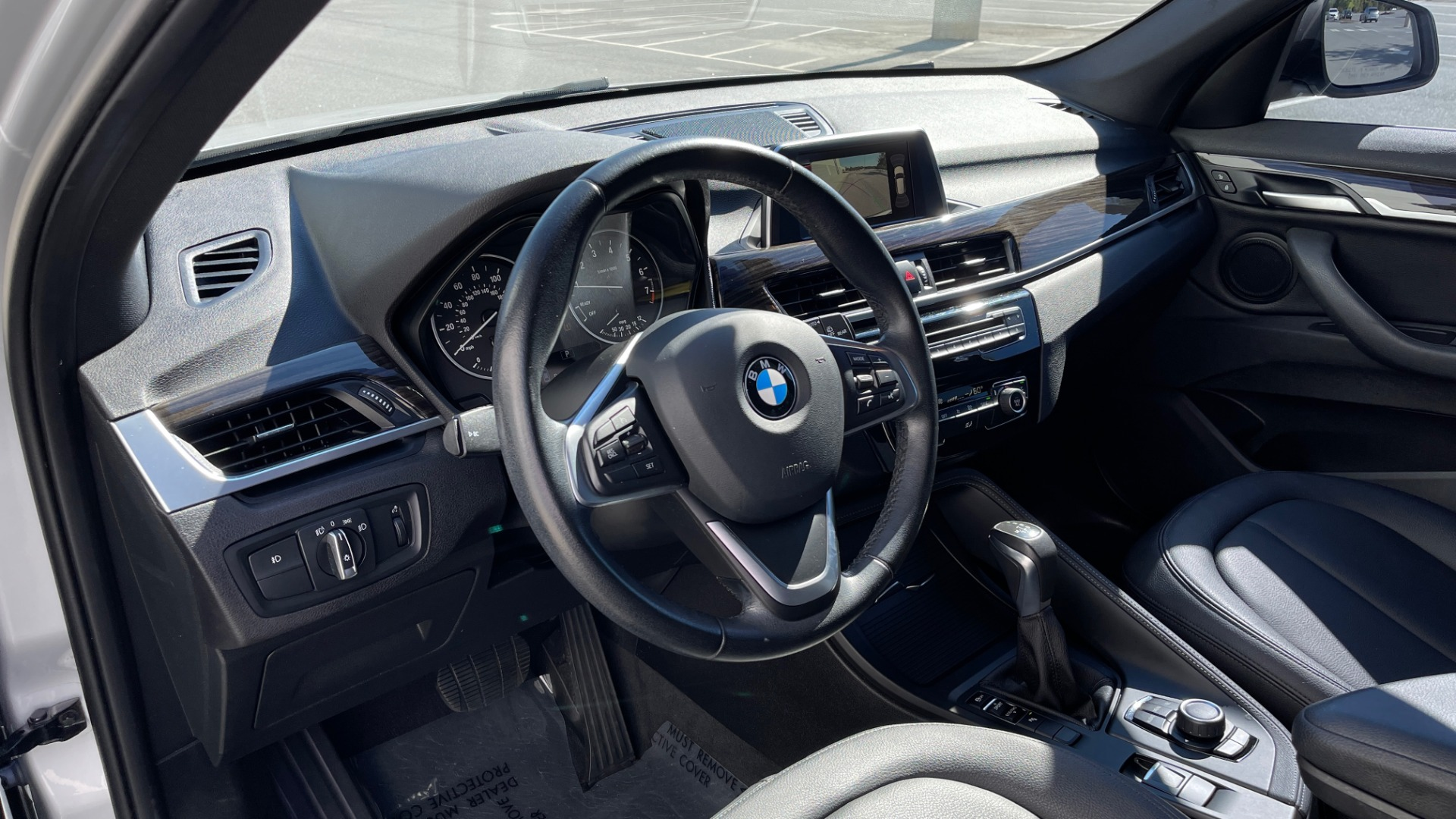 Used 2017 BMW X1 SDRIVE28I 2.0L / 8-SPD AUTO / DRIVER ASST / PANO-ROOF / REARVIEW for sale $26,995 at Formula Imports in Charlotte NC 28227 25