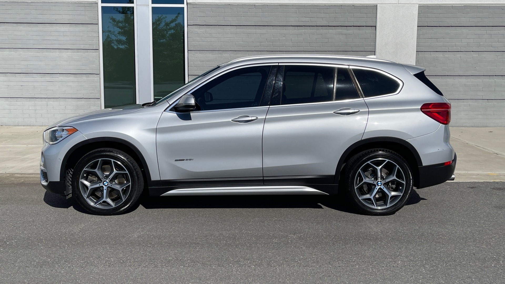 Used 2017 BMW X1 SDRIVE28I 2.0L / 8-SPD AUTO / DRIVER ASST / PANO-ROOF / REARVIEW for sale $26,995 at Formula Imports in Charlotte NC 28227 4