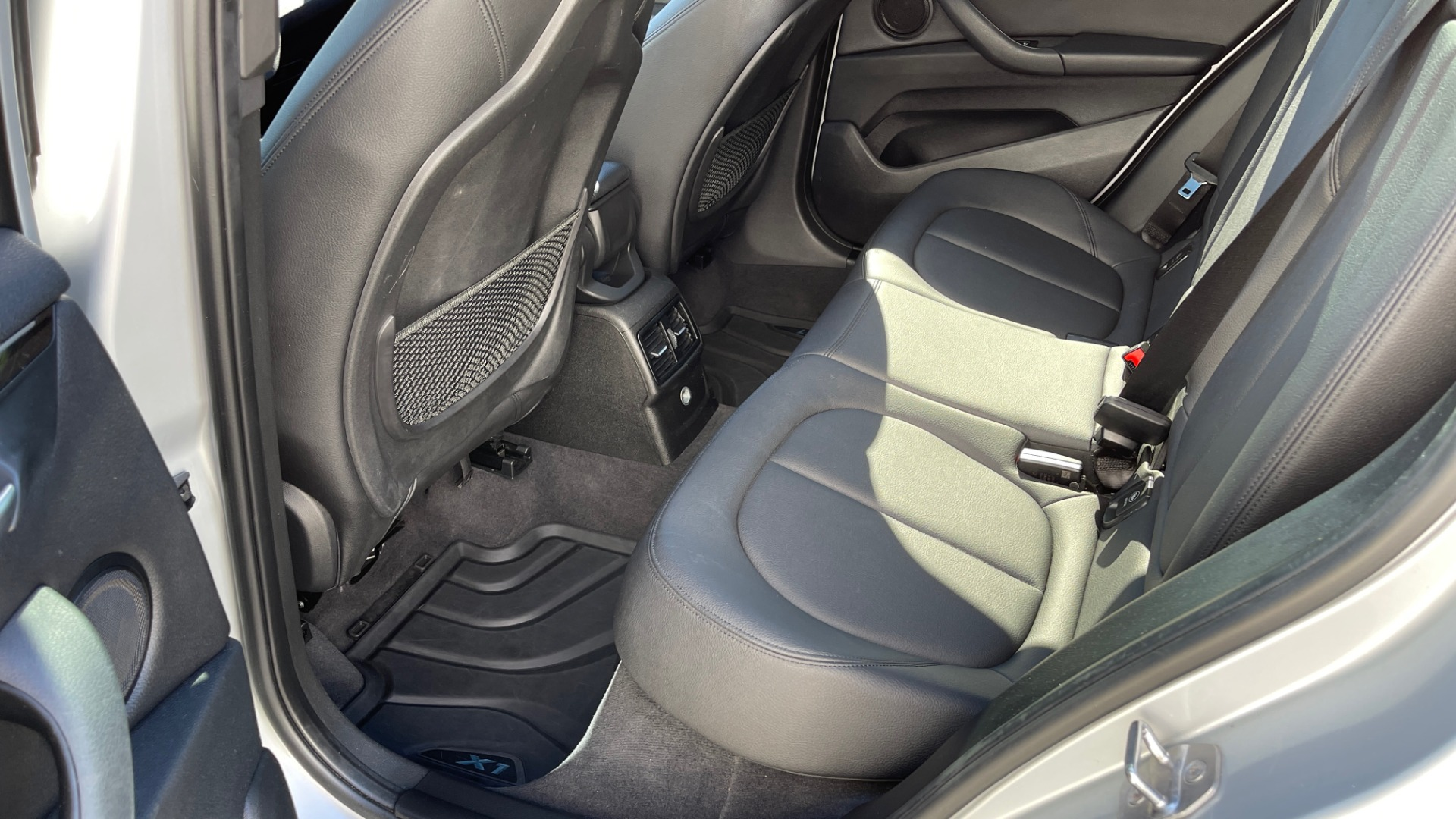 Used 2017 BMW X1 SDRIVE28I 2.0L / 8-SPD AUTO / DRIVER ASST / PANO-ROOF / REARVIEW for sale $26,995 at Formula Imports in Charlotte NC 28227 42