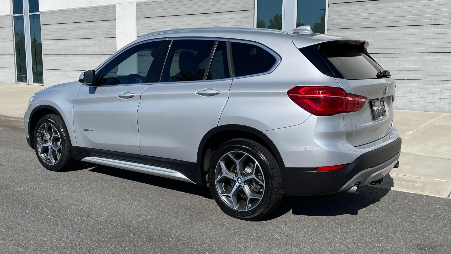Used 2017 BMW X1 SDRIVE28I 2.0L / 8-SPD AUTO / DRIVER ASST / PANO-ROOF / REARVIEW for sale $26,995 at Formula Imports in Charlotte NC 28227 5