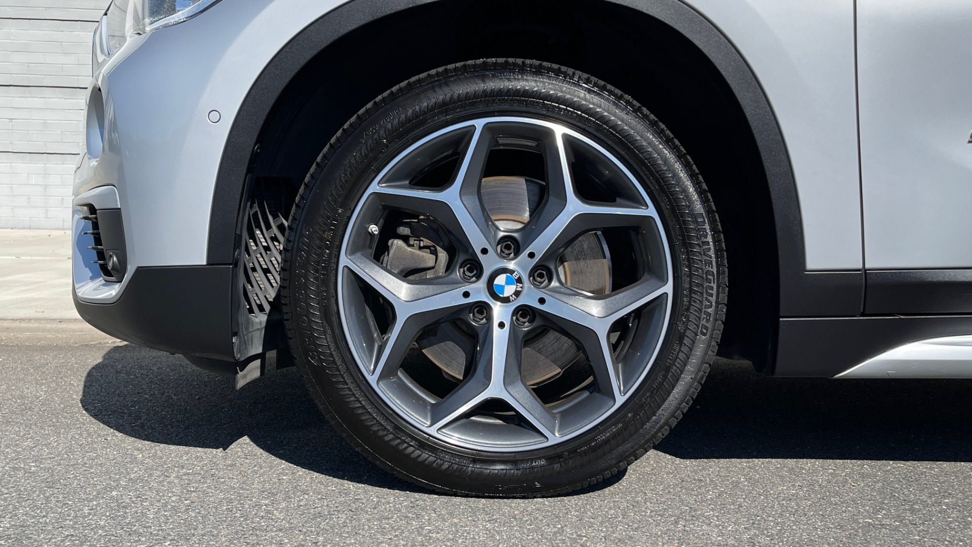 Used 2017 BMW X1 SDRIVE28I 2.0L / 8-SPD AUTO / DRIVER ASST / PANO-ROOF / REARVIEW for sale $26,995 at Formula Imports in Charlotte NC 28227 54
