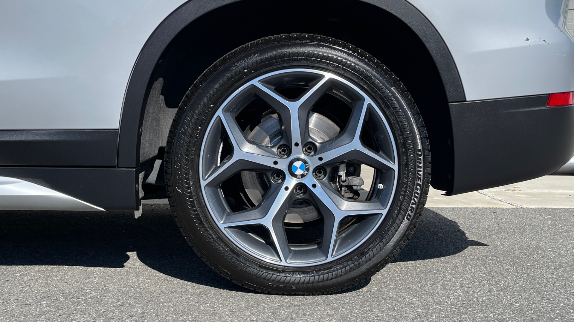 Used 2017 BMW X1 SDRIVE28I 2.0L / 8-SPD AUTO / DRIVER ASST / PANO-ROOF / REARVIEW for sale $26,995 at Formula Imports in Charlotte NC 28227 55