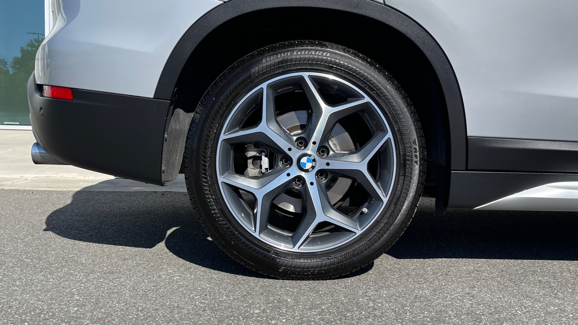 Used 2017 BMW X1 SDRIVE28I 2.0L / 8-SPD AUTO / DRIVER ASST / PANO-ROOF / REARVIEW for sale $26,995 at Formula Imports in Charlotte NC 28227 56
