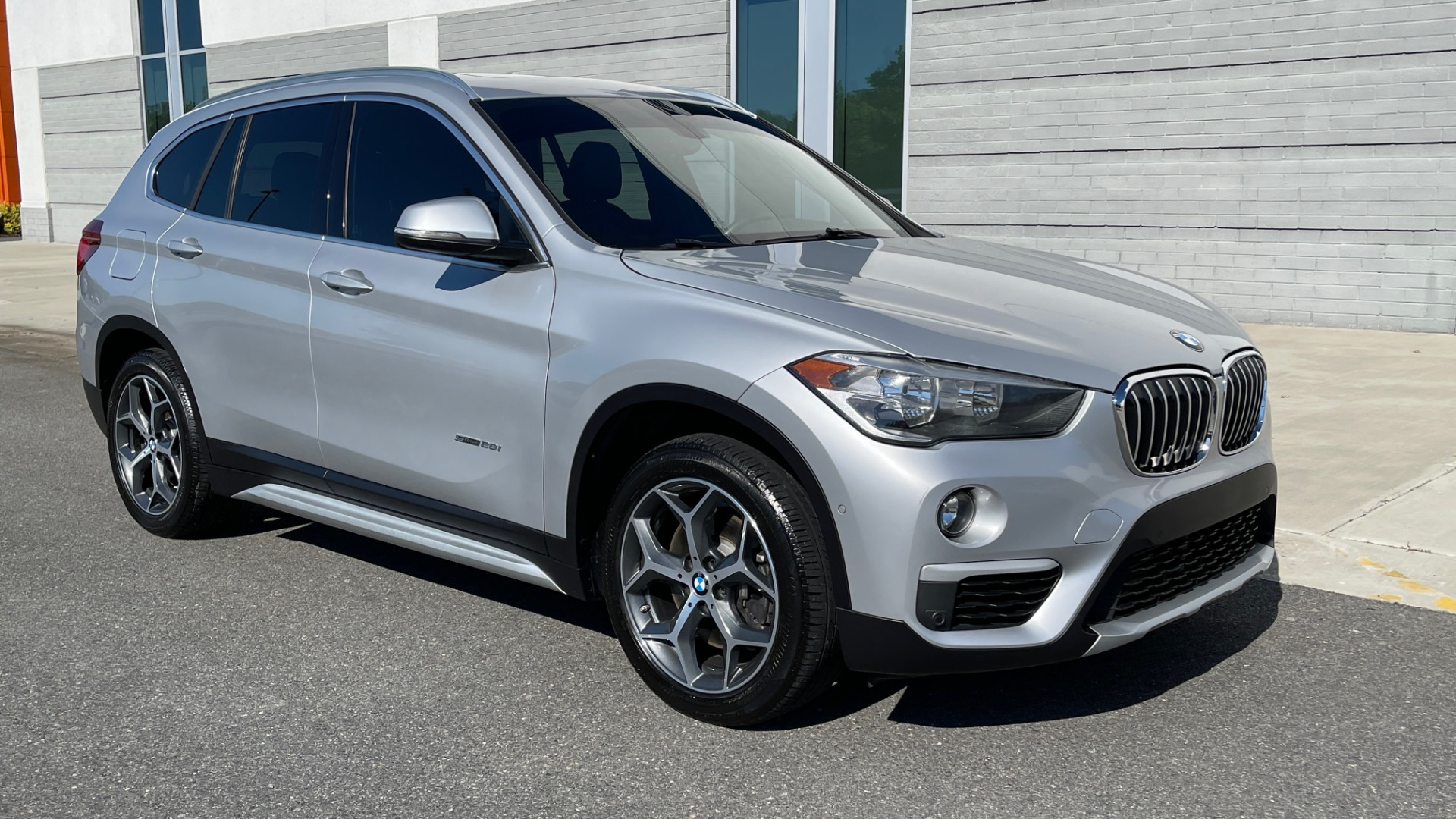Used 2017 BMW X1 SDRIVE28I 2.0L / 8-SPD AUTO / DRIVER ASST / PANO-ROOF / REARVIEW for sale $26,995 at Formula Imports in Charlotte NC 28227 6