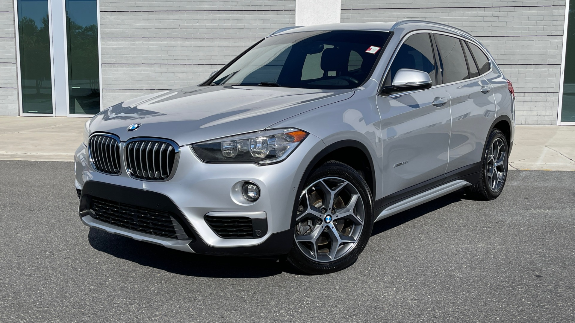 Used 2017 BMW X1 SDRIVE28I 2.0L / 8-SPD AUTO / DRIVER ASST / PANO-ROOF / REARVIEW for sale $26,995 at Formula Imports in Charlotte NC 28227 1