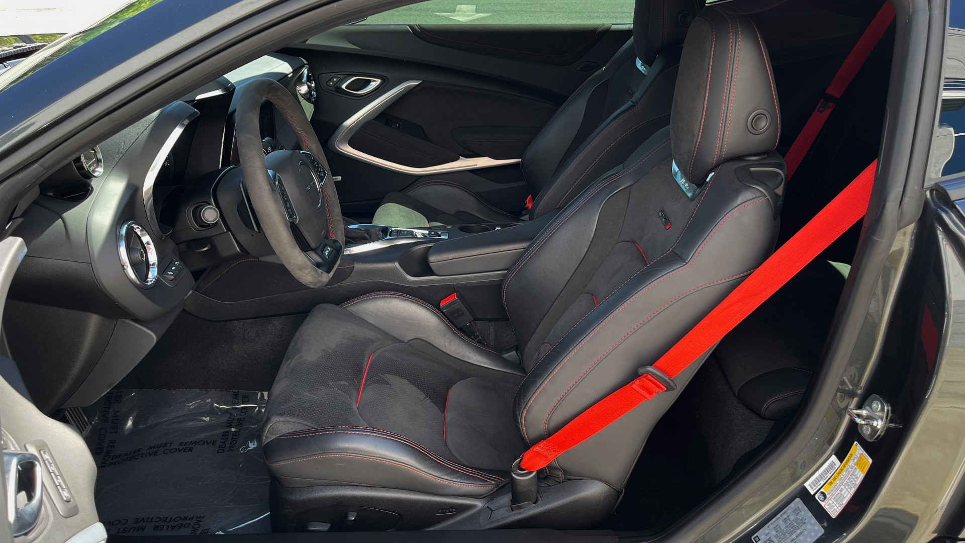 Used 2018 Chevrolet CAMARO ZL1 SUPERCHARGED COUPE 850HP / 10-SPD AUTO / NAV / BOSE / REARVIEW for sale $59,995 at Formula Imports in Charlotte NC 28227 31