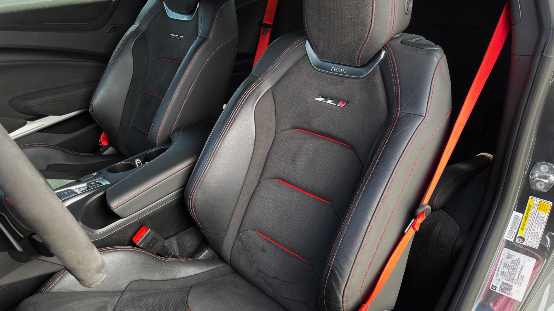 Used 2018 Chevrolet CAMARO ZL1 SUPERCHARGED COUPE 850HP / 10-SPD AUTO / NAV / BOSE / REARVIEW for sale $59,995 at Formula Imports in Charlotte NC 28227 32