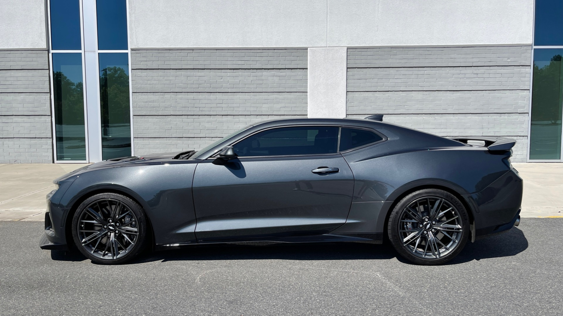 Used 2018 Chevrolet CAMARO ZL1 SUPERCHARGED COUPE 850HP / 10-SPD AUTO / NAV / BOSE / REARVIEW for sale $59,995 at Formula Imports in Charlotte NC 28227 5