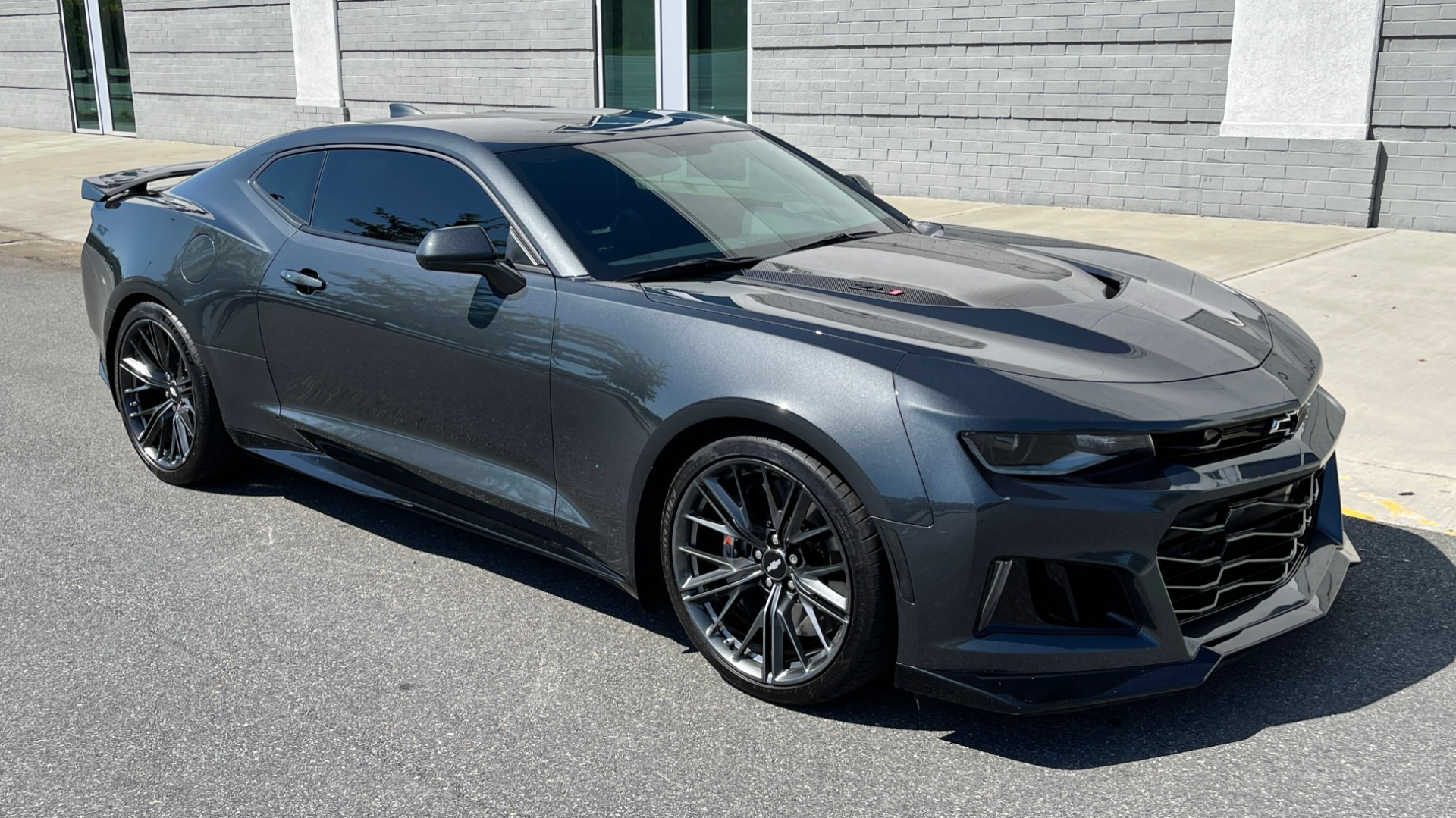 Used 2018 Chevrolet CAMARO ZL1 SUPERCHARGED COUPE 850HP / 10-SPD AUTO / NAV / BOSE / REARVIEW for sale $59,995 at Formula Imports in Charlotte NC 28227 7