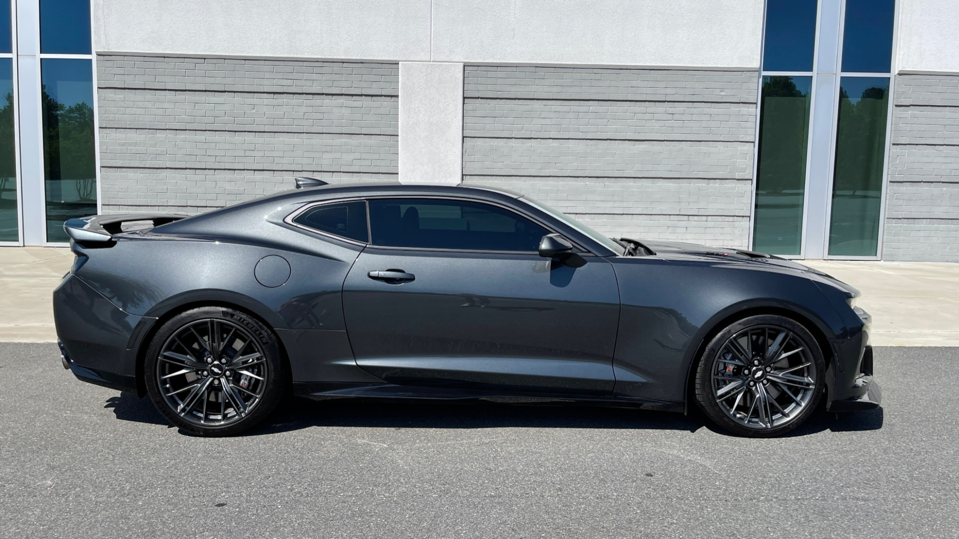 Used 2018 Chevrolet CAMARO ZL1 SUPERCHARGED COUPE 850HP / 10-SPD AUTO / NAV / BOSE / REARVIEW for sale $59,995 at Formula Imports in Charlotte NC 28227 8