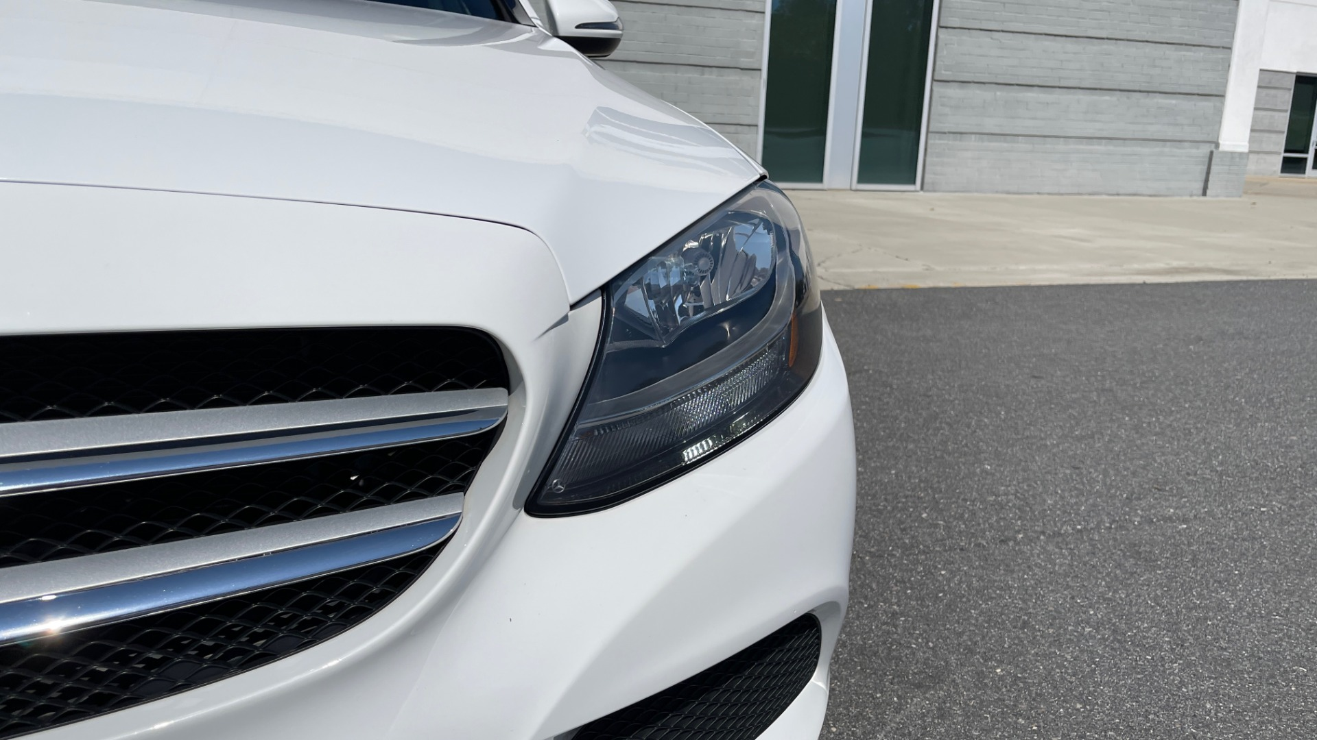 Used 2018 Mercedes-Benz C-CLASS C 300 PREMIUM / APPLE CARPLAY / KEYLESS-GO / SUNROOF / REARVIEW for sale $32,995 at Formula Imports in Charlotte NC 28227 11