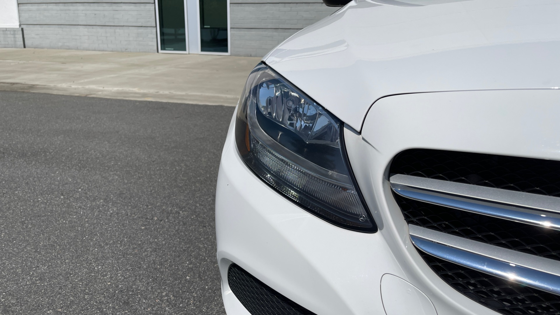 Used 2018 Mercedes-Benz C-CLASS C 300 PREMIUM / APPLE CARPLAY / KEYLESS-GO / SUNROOF / REARVIEW for sale $32,995 at Formula Imports in Charlotte NC 28227 12