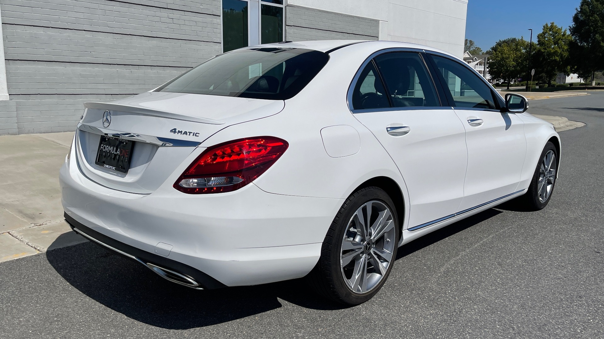 Used 2018 Mercedes-Benz C-CLASS C 300 PREMIUM / APPLE CARPLAY / KEYLESS-GO / SUNROOF / REARVIEW for sale $32,995 at Formula Imports in Charlotte NC 28227 2