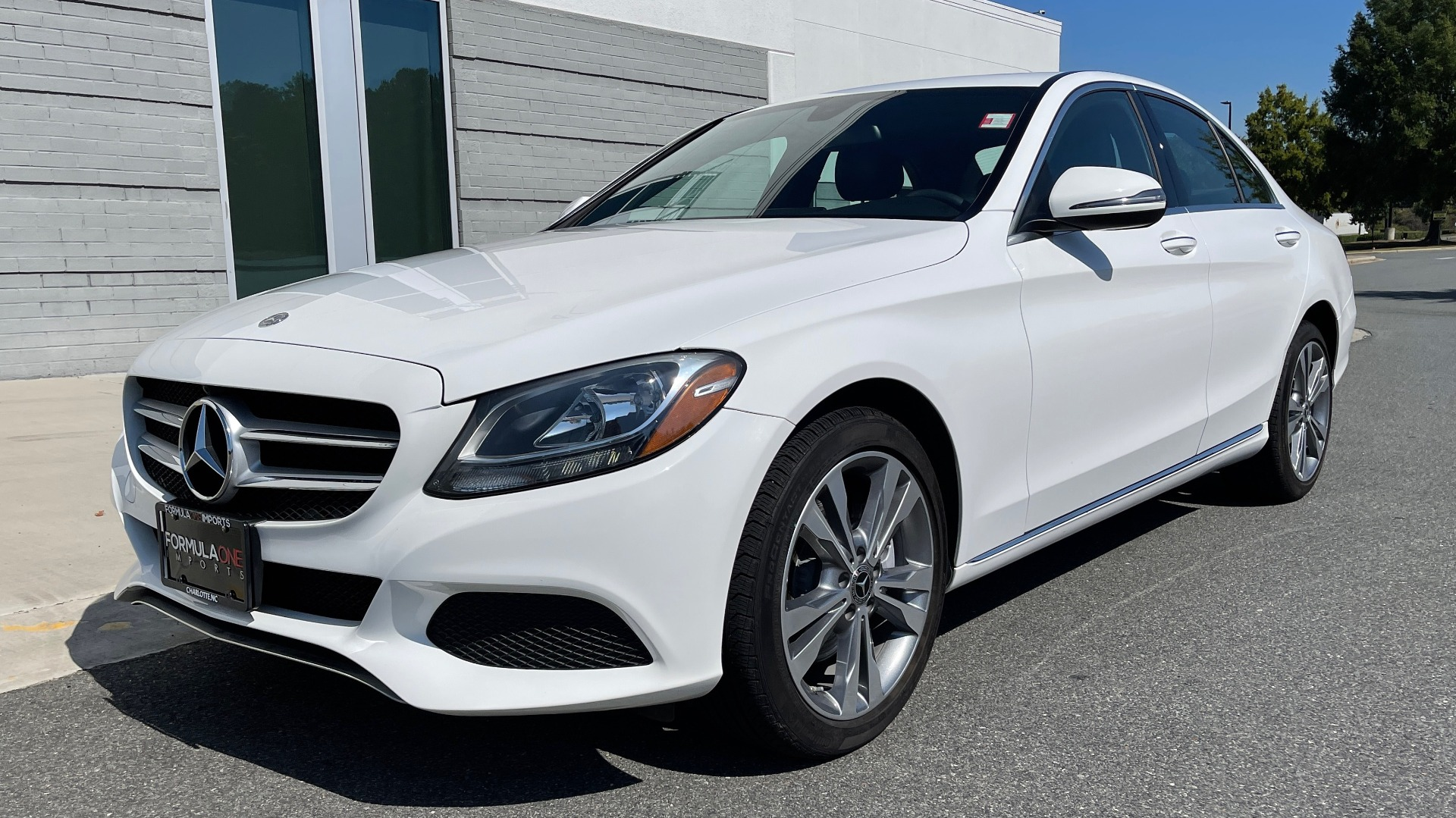 Used 2018 Mercedes-Benz C-CLASS C 300 PREMIUM / APPLE CARPLAY / KEYLESS-GO / SUNROOF / REARVIEW for sale $32,995 at Formula Imports in Charlotte NC 28227 3
