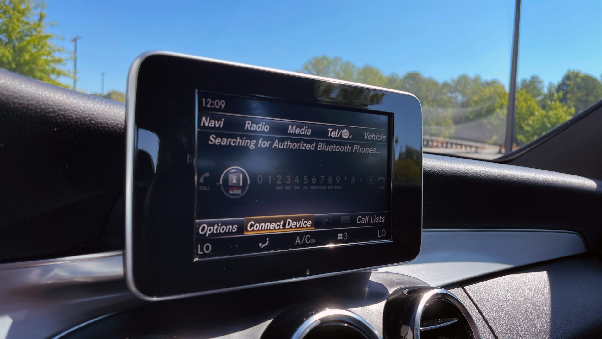 Used 2018 Mercedes-Benz C-CLASS C 300 PREMIUM / APPLE CARPLAY / KEYLESS-GO / SUNROOF / REARVIEW for sale $32,995 at Formula Imports in Charlotte NC 28227 32