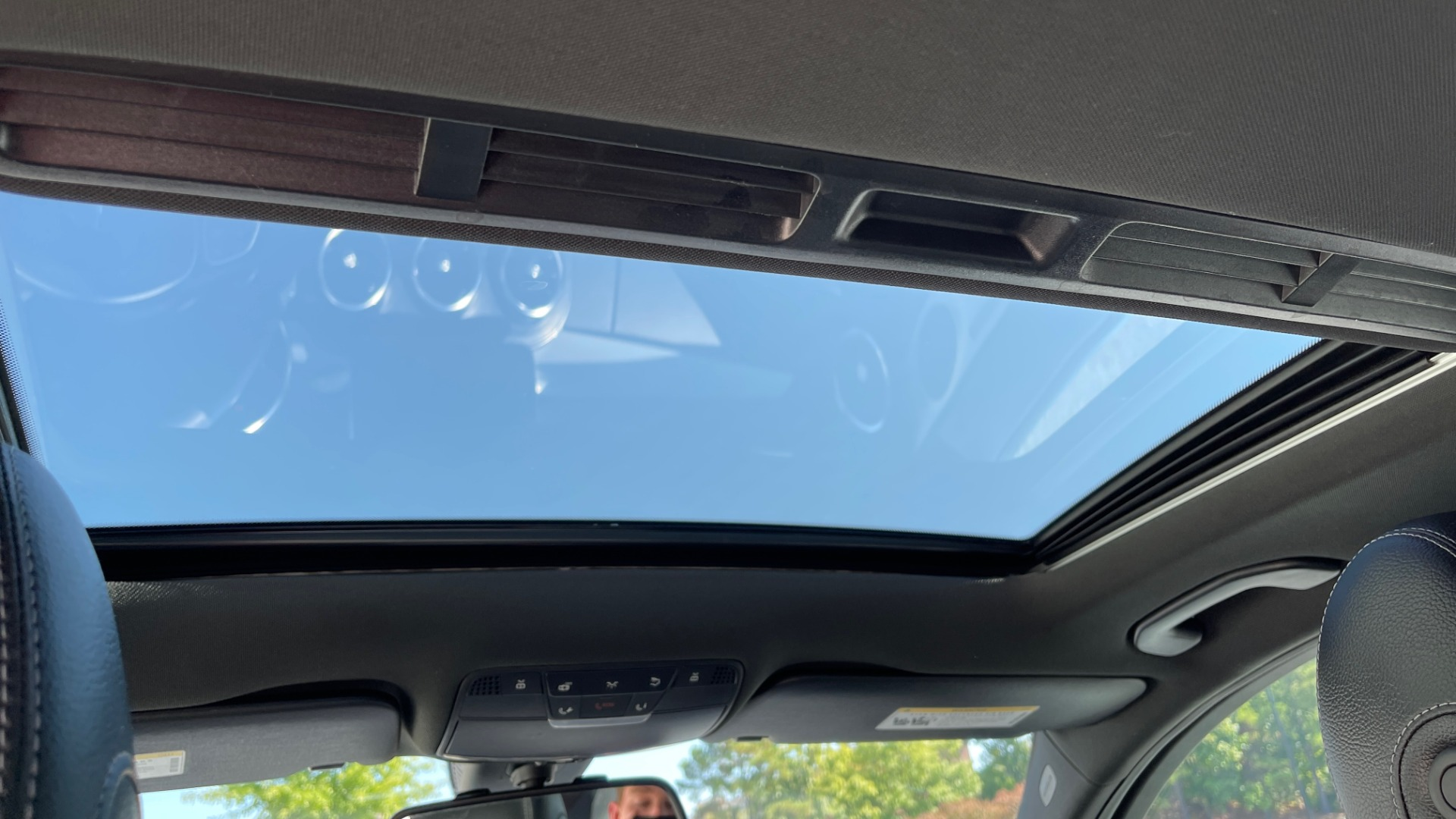 Used 2018 Mercedes-Benz C-CLASS C 300 PREMIUM / APPLE CARPLAY / KEYLESS-GO / SUNROOF / REARVIEW for sale $32,995 at Formula Imports in Charlotte NC 28227 45