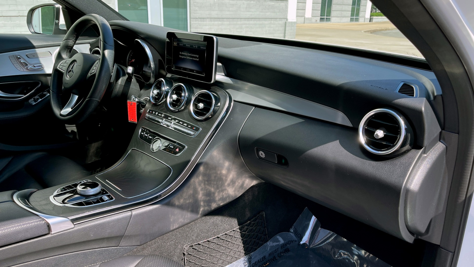Used 2018 Mercedes-Benz C-CLASS C 300 PREMIUM / APPLE CARPLAY / KEYLESS-GO / SUNROOF / REARVIEW for sale $32,995 at Formula Imports in Charlotte NC 28227 52