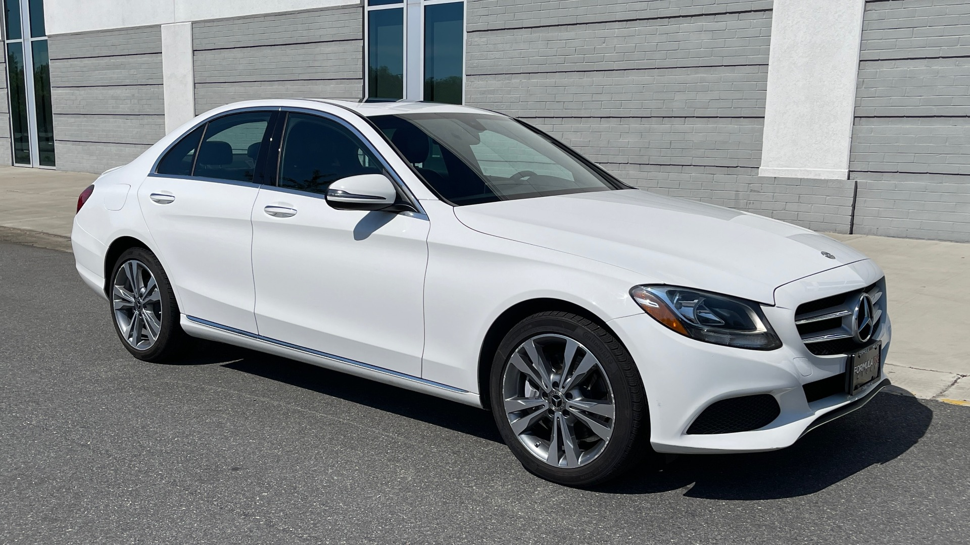 Used 2018 Mercedes-Benz C-CLASS C 300 PREMIUM / APPLE CARPLAY / KEYLESS-GO / SUNROOF / REARVIEW for sale $32,995 at Formula Imports in Charlotte NC 28227 6