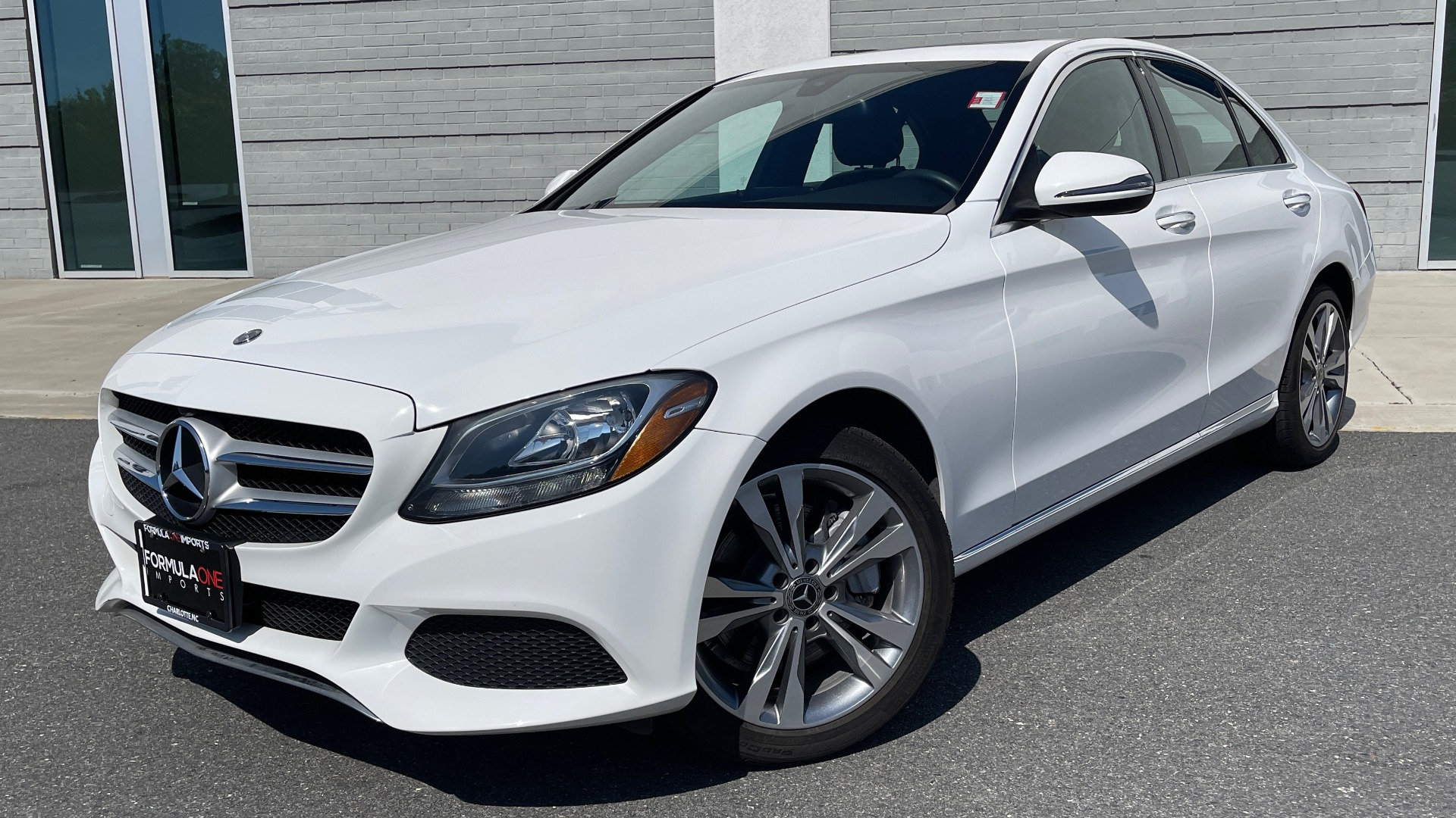 Used 2018 Mercedes-Benz C-CLASS C 300 PREMIUM / APPLE CARPLAY / KEYLESS-GO / SUNROOF / REARVIEW for sale $32,995 at Formula Imports in Charlotte NC 28227 1