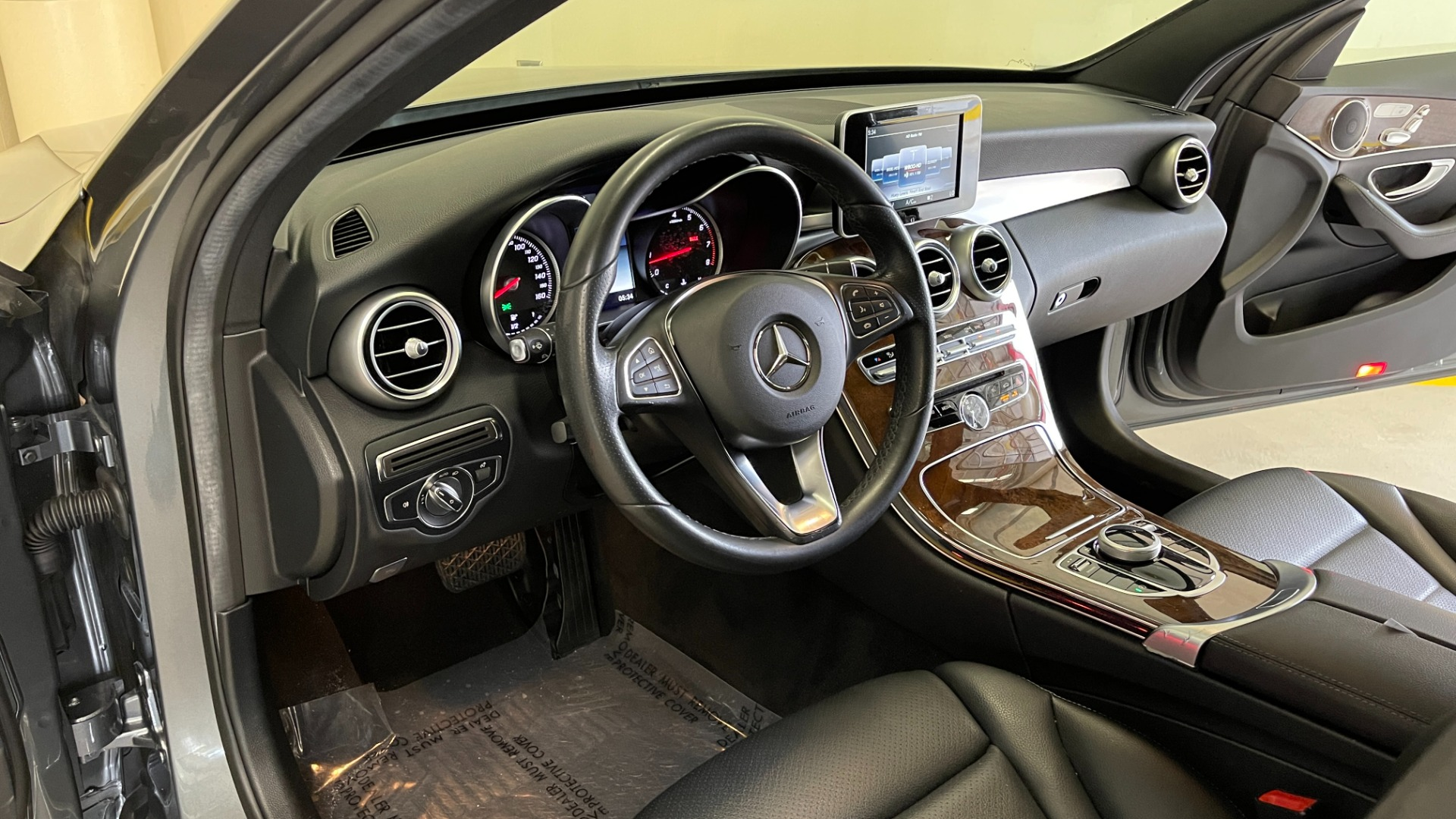 Used 2018 Mercedes-Benz C-CLASS C 300 PREMIUM / SUNROOF / APPLE CARPLAY / HTD STS / REARVIEW for sale $31,795 at Formula Imports in Charlotte NC 28227 25