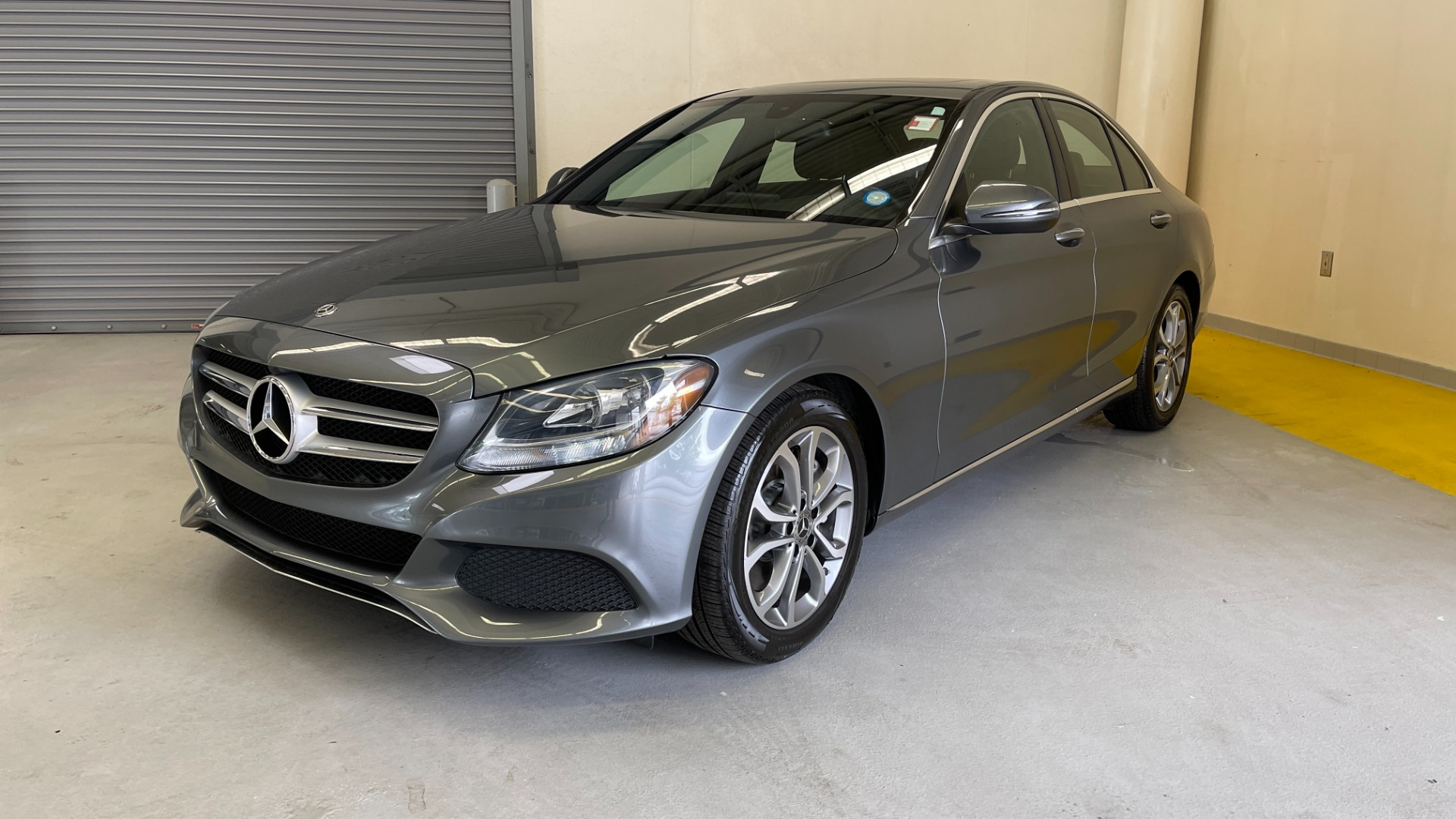 Used 2018 Mercedes-Benz C-CLASS C 300 PREMIUM / SUNROOF / APPLE CARPLAY / HTD STS / REARVIEW for sale $31,795 at Formula Imports in Charlotte NC 28227 3