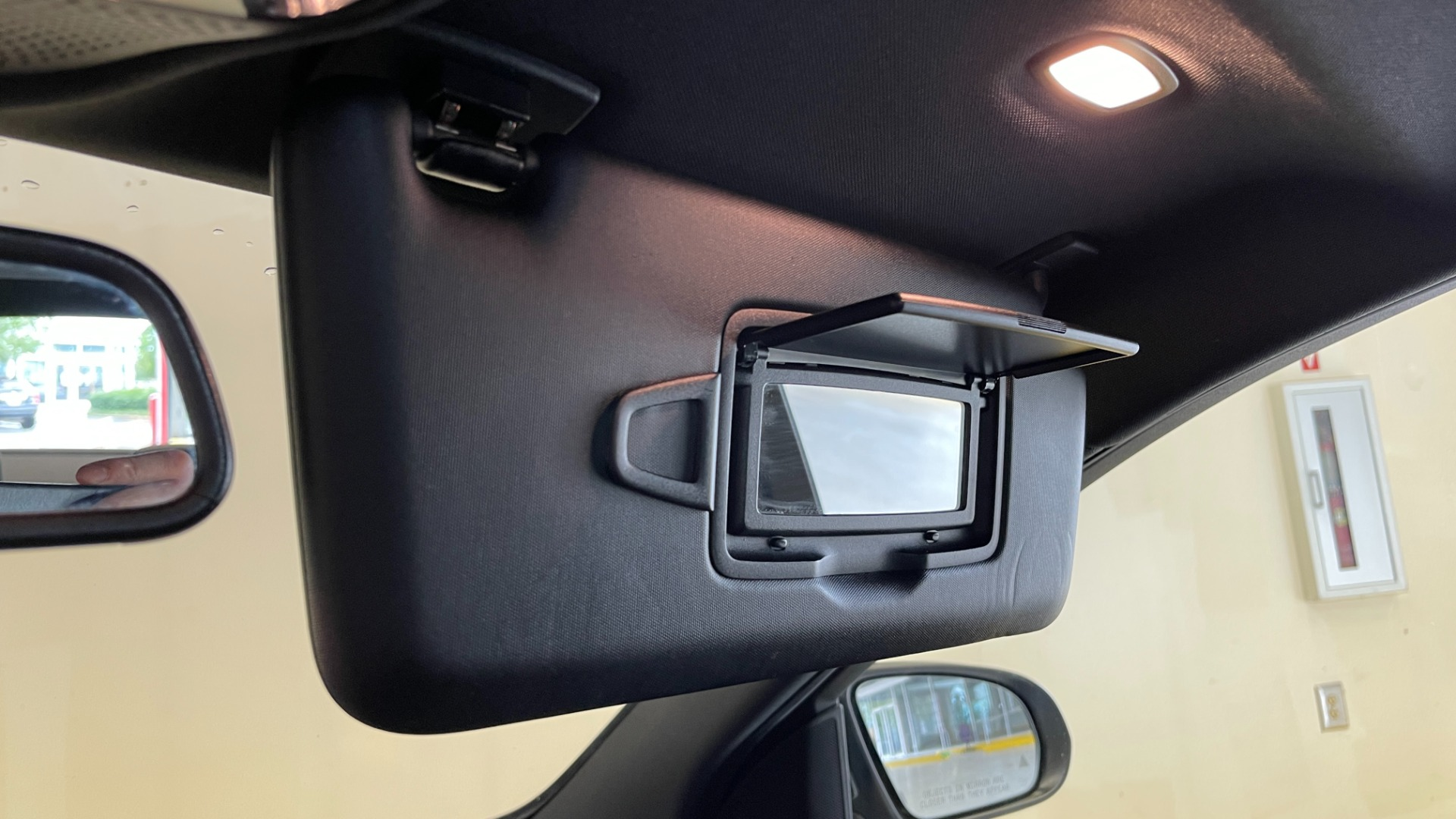 Used 2018 Mercedes-Benz C-CLASS C 300 PREMIUM / SUNROOF / APPLE CARPLAY / HTD STS / REARVIEW for sale $31,795 at Formula Imports in Charlotte NC 28227 35