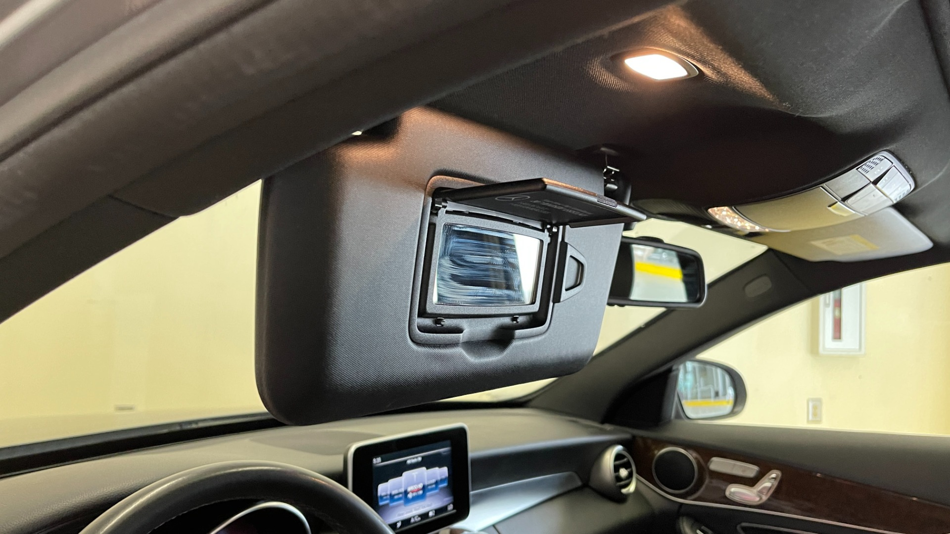 Used 2018 Mercedes-Benz C-CLASS C 300 PREMIUM / SUNROOF / APPLE CARPLAY / HTD STS / REARVIEW for sale $31,795 at Formula Imports in Charlotte NC 28227 36