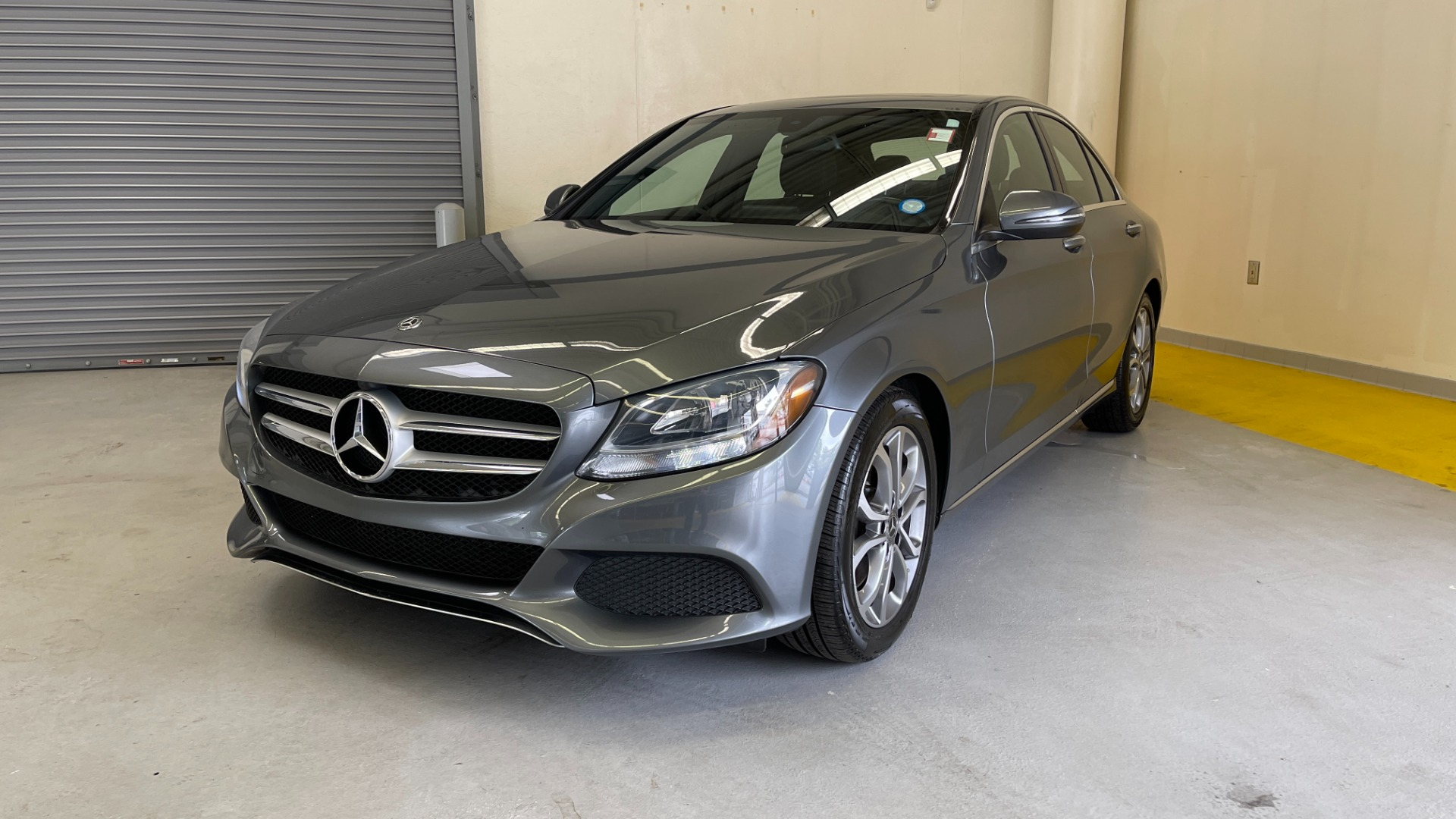 Used 2018 Mercedes-Benz C-CLASS C 300 PREMIUM / SUNROOF / APPLE CARPLAY / HTD STS / REARVIEW for sale $31,795 at Formula Imports in Charlotte NC 28227 4