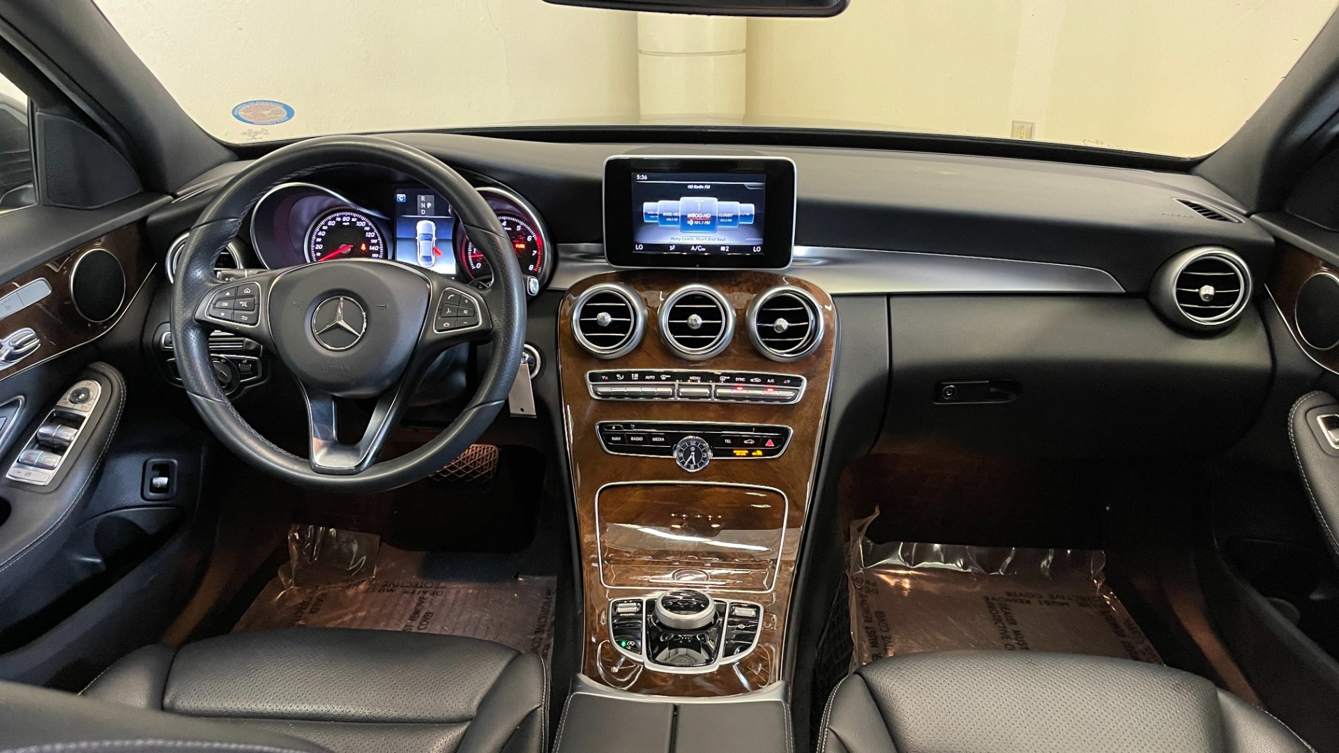 Used 2018 Mercedes-Benz C-CLASS C 300 PREMIUM / SUNROOF / APPLE CARPLAY / HTD STS / REARVIEW for sale $31,795 at Formula Imports in Charlotte NC 28227 46