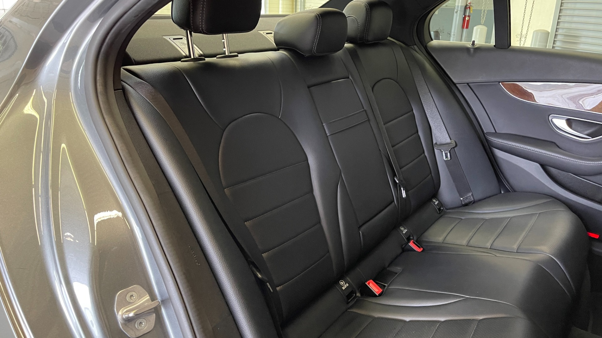 Used 2018 Mercedes-Benz C-CLASS C 300 PREMIUM / SUNROOF / APPLE CARPLAY / HTD STS / REARVIEW for sale $31,795 at Formula Imports in Charlotte NC 28227 47