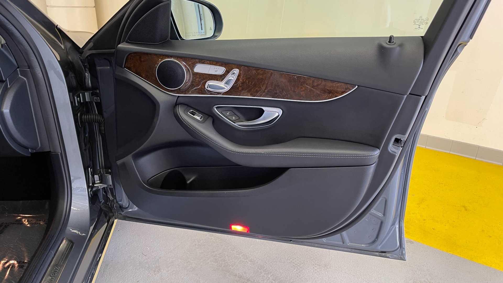 Used 2018 Mercedes-Benz C-CLASS C 300 PREMIUM / SUNROOF / APPLE CARPLAY / HTD STS / REARVIEW for sale $31,795 at Formula Imports in Charlotte NC 28227 48