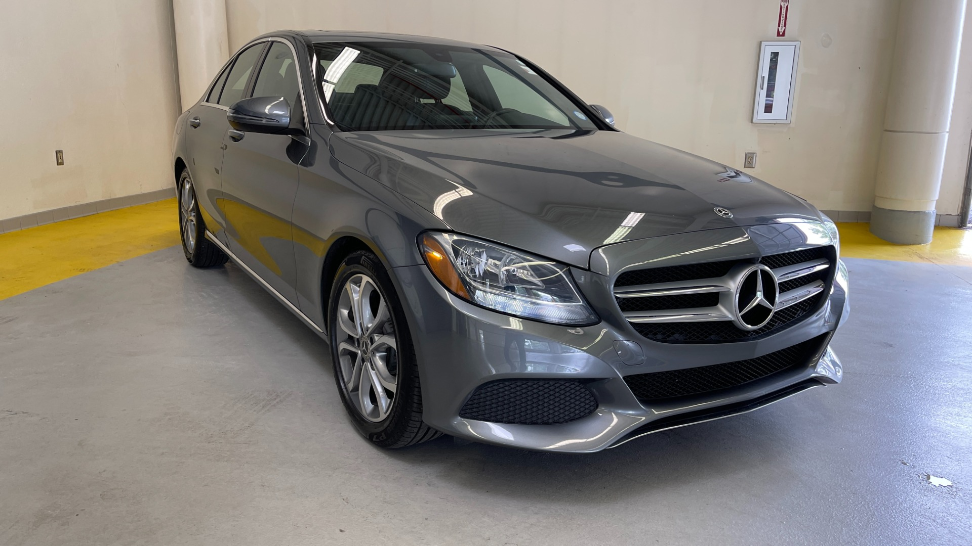 Used 2018 Mercedes-Benz C-CLASS C 300 PREMIUM / SUNROOF / APPLE CARPLAY / HTD STS / REARVIEW for sale $31,795 at Formula Imports in Charlotte NC 28227 5