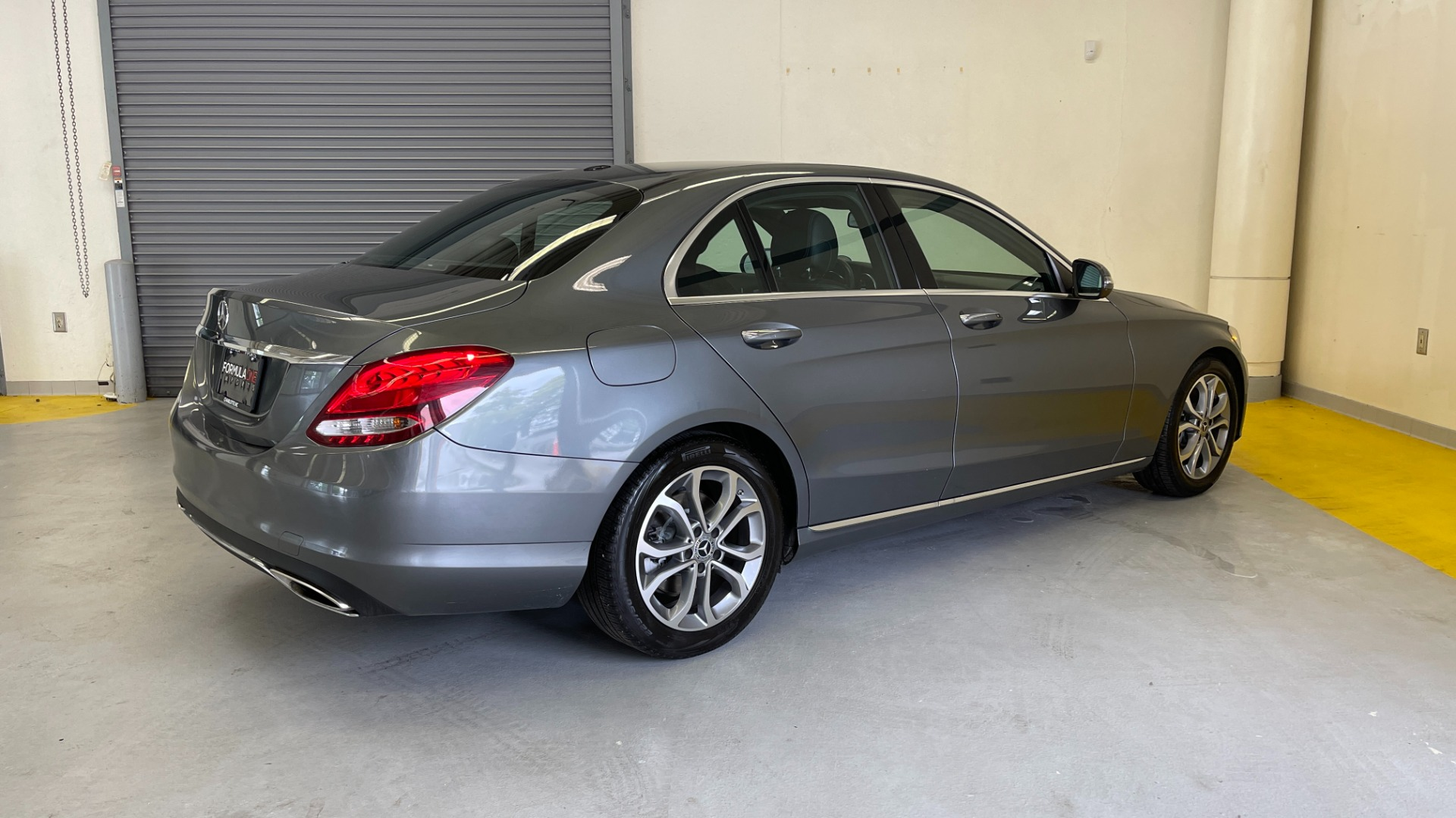 Used 2018 Mercedes-Benz C-CLASS C 300 PREMIUM / SUNROOF / APPLE CARPLAY / HTD STS / REARVIEW for sale $31,795 at Formula Imports in Charlotte NC 28227 8