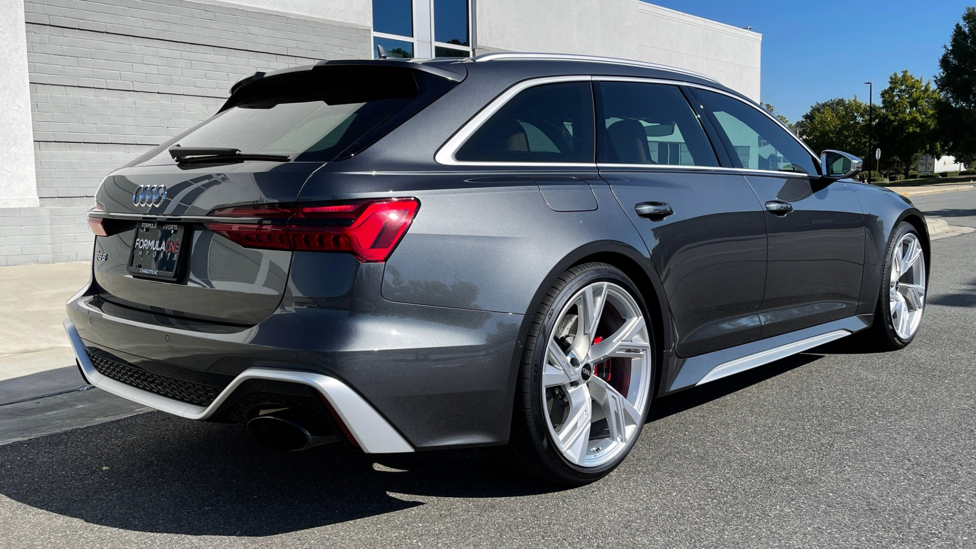 Used 2021 Audi RS 6 AVANT WAGON / EXEC PKG / CARBON OPTIC / B&O SND / DRVR ASST / SPRT EXH for sale Sold at Formula Imports in Charlotte NC 28227 2