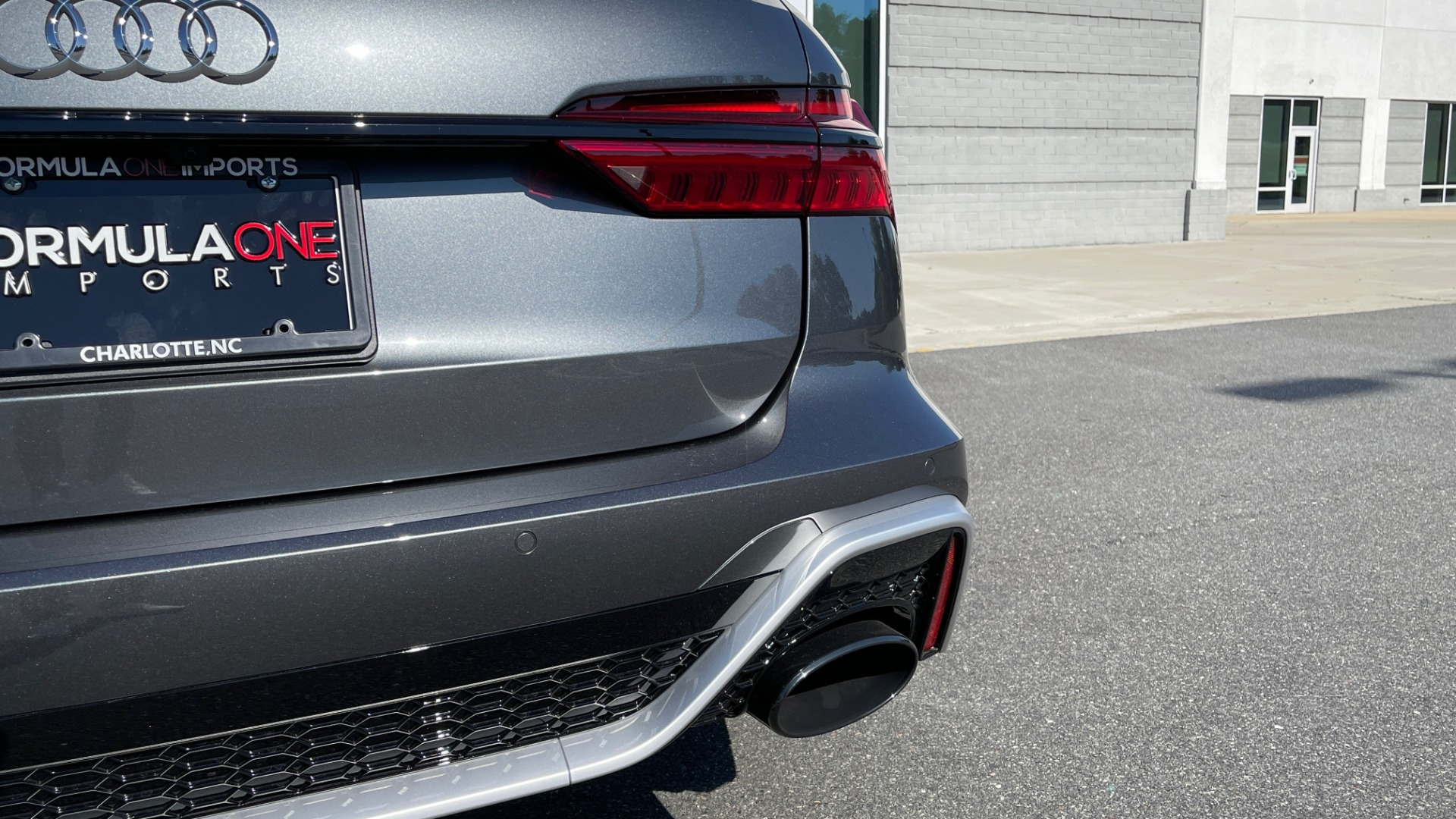 Used 2021 Audi RS 6 AVANT WAGON / EXEC PKG / CARBON OPTIC / B&O SND / DRVR ASST / SPRT EXH for sale Sold at Formula Imports in Charlotte NC 28227 24