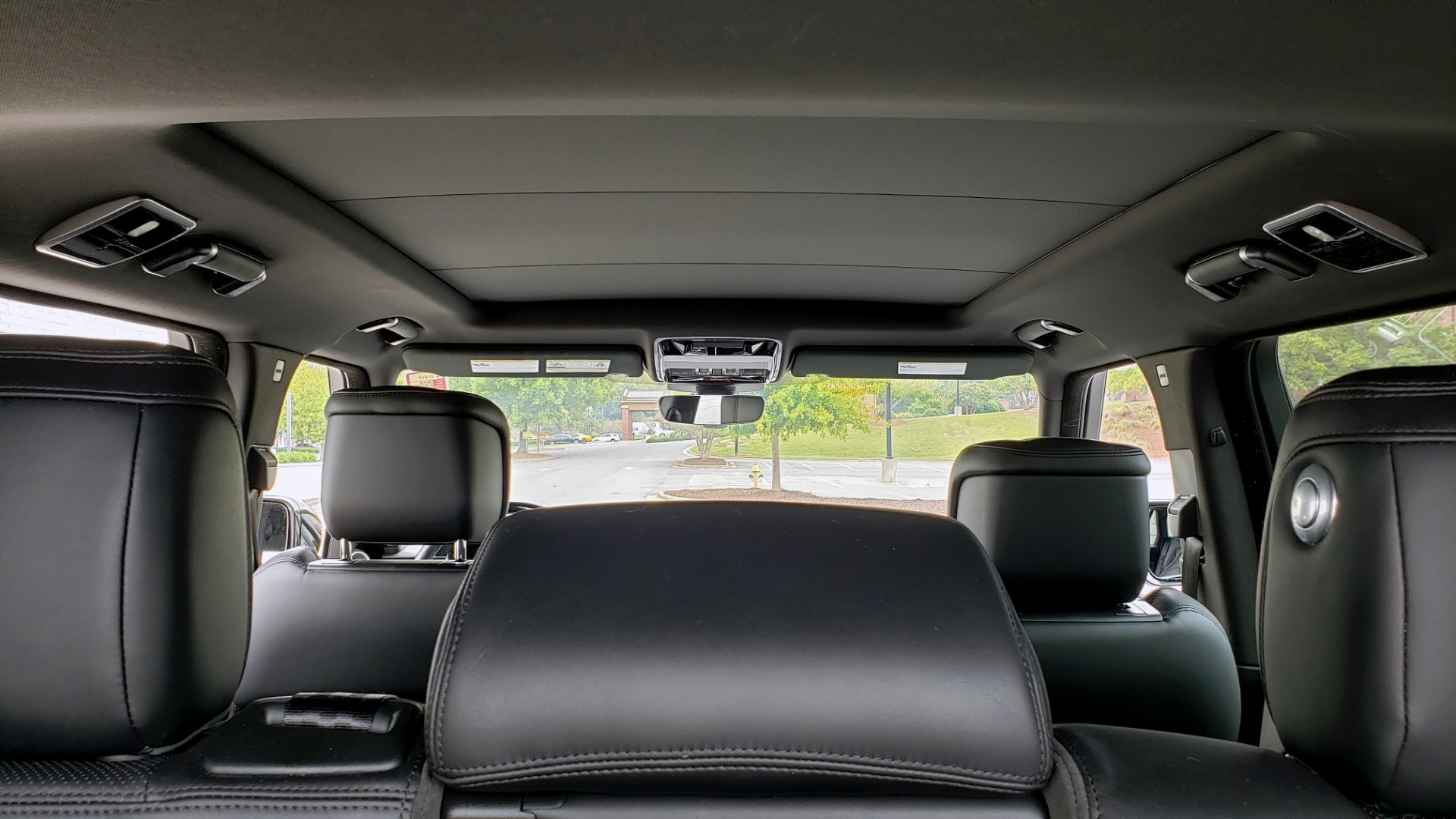 Used 2018 Land Rover RANGE ROVER SUPERCHARGED V8 / DRIVE PRO / NAV / PANO-ROOF / REARVIEW for sale $84,995 at Formula Imports in Charlotte NC 28227 23