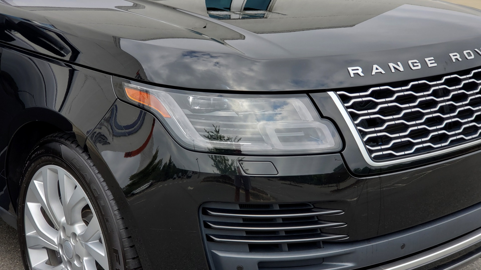 Used 2018 Land Rover RANGE ROVER SUPERCHARGED V8 / DRIVE PRO / NAV / PANO-ROOF / REARVIEW for sale $84,995 at Formula Imports in Charlotte NC 28227 26