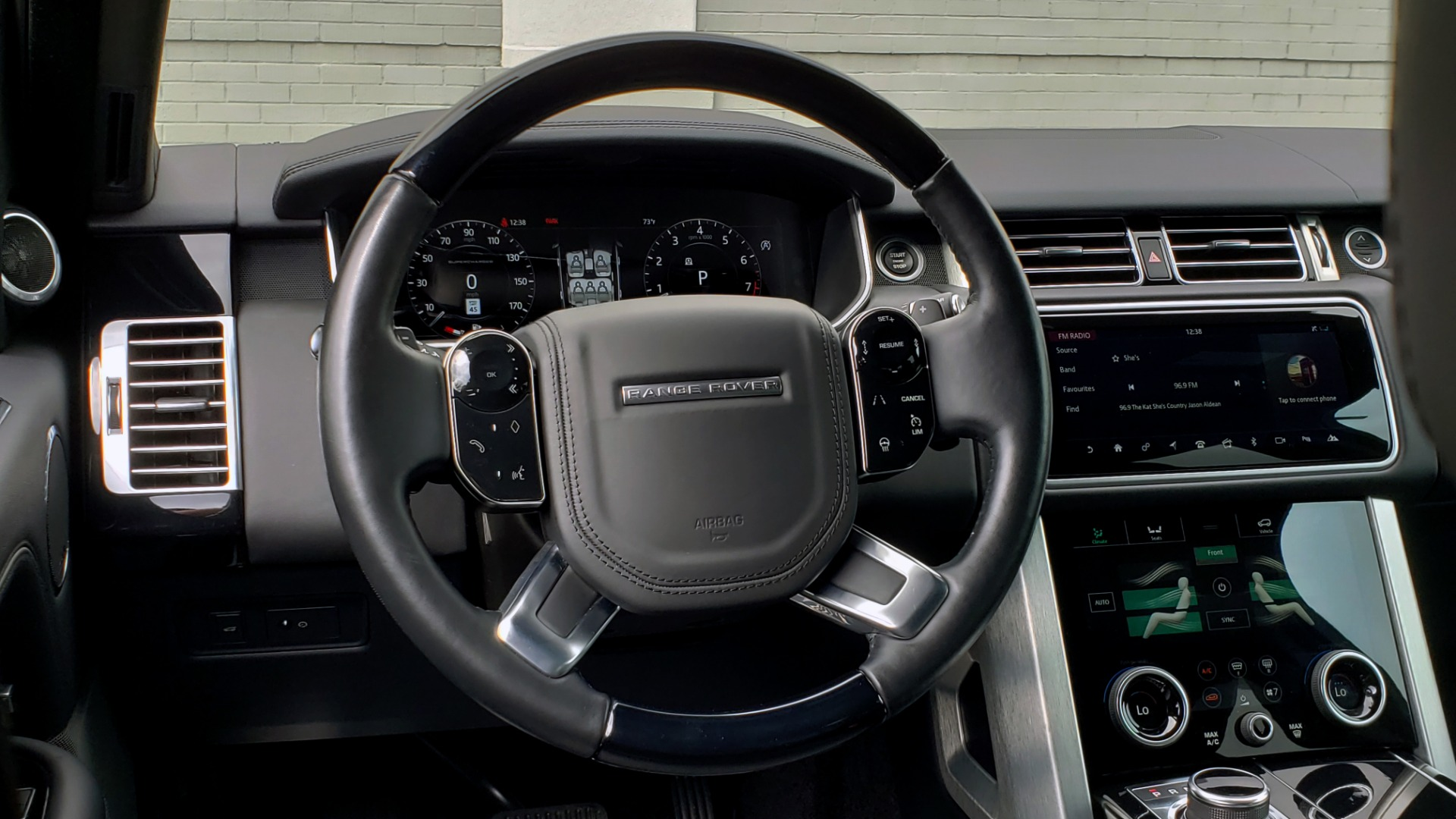 Used 2018 Land Rover RANGE ROVER SUPERCHARGED V8 / DRIVE PRO / NAV / PANO-ROOF / REARVIEW for sale $84,995 at Formula Imports in Charlotte NC 28227 43