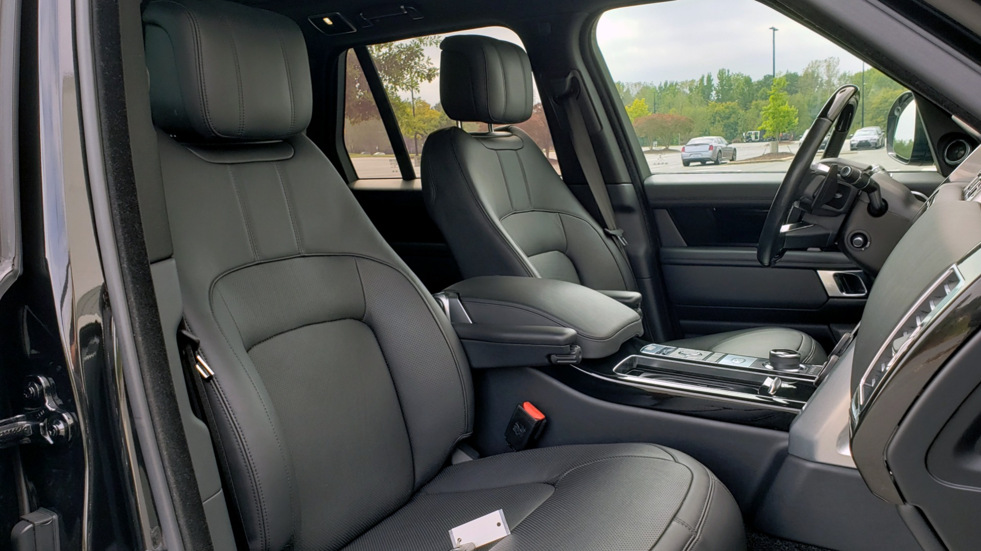 Used 2018 Land Rover RANGE ROVER SUPERCHARGED V8 / DRIVE PRO / NAV / PANO-ROOF / REARVIEW for sale $84,995 at Formula Imports in Charlotte NC 28227 69