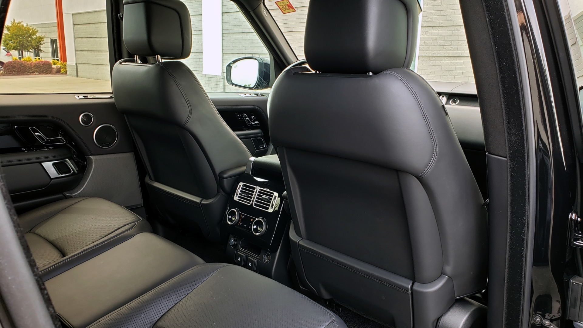 Used 2018 Land Rover RANGE ROVER SUPERCHARGED V8 / DRIVE PRO / NAV / PANO-ROOF / REARVIEW for sale $84,995 at Formula Imports in Charlotte NC 28227 74