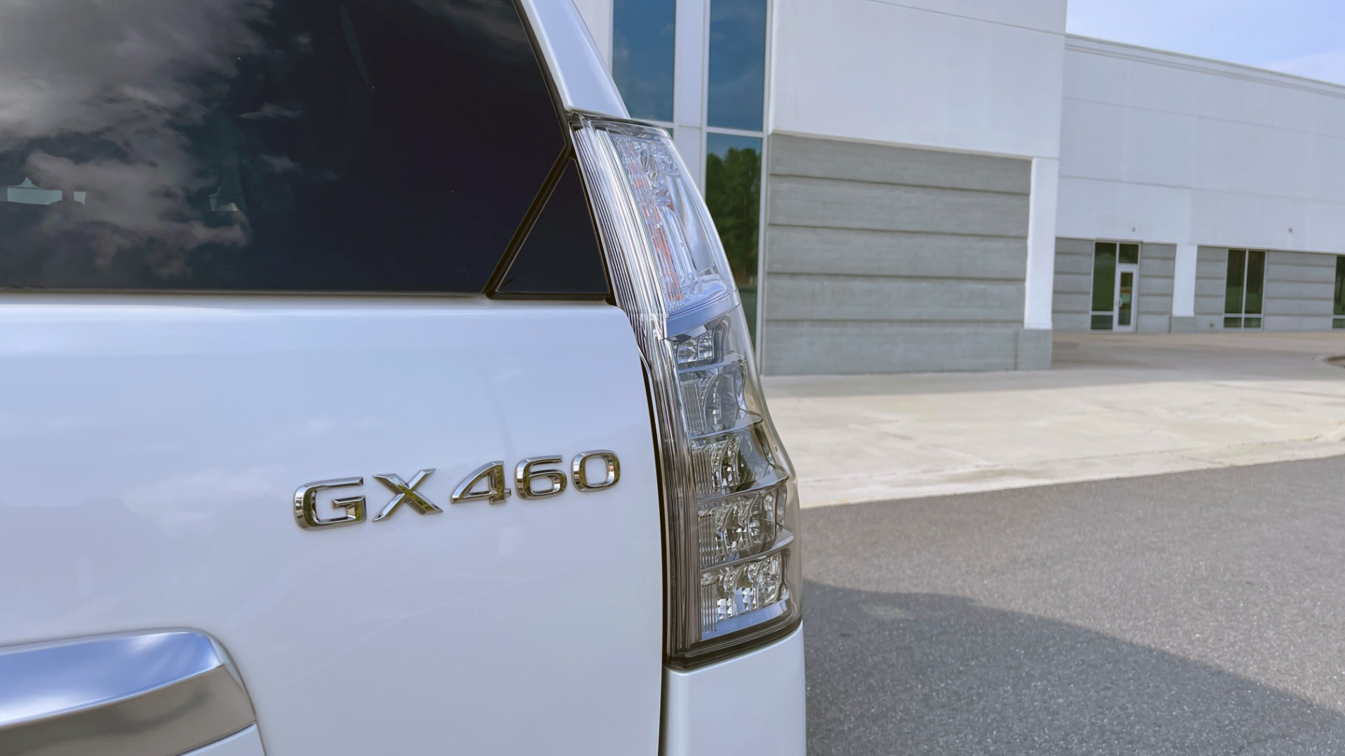 Used 2020 Lexus GX 460 PREMIUM / AWD / NAV / SUNROOF / 3-ROW / REARVIEW for sale $54,495 at Formula Imports in Charlotte NC 28227 18