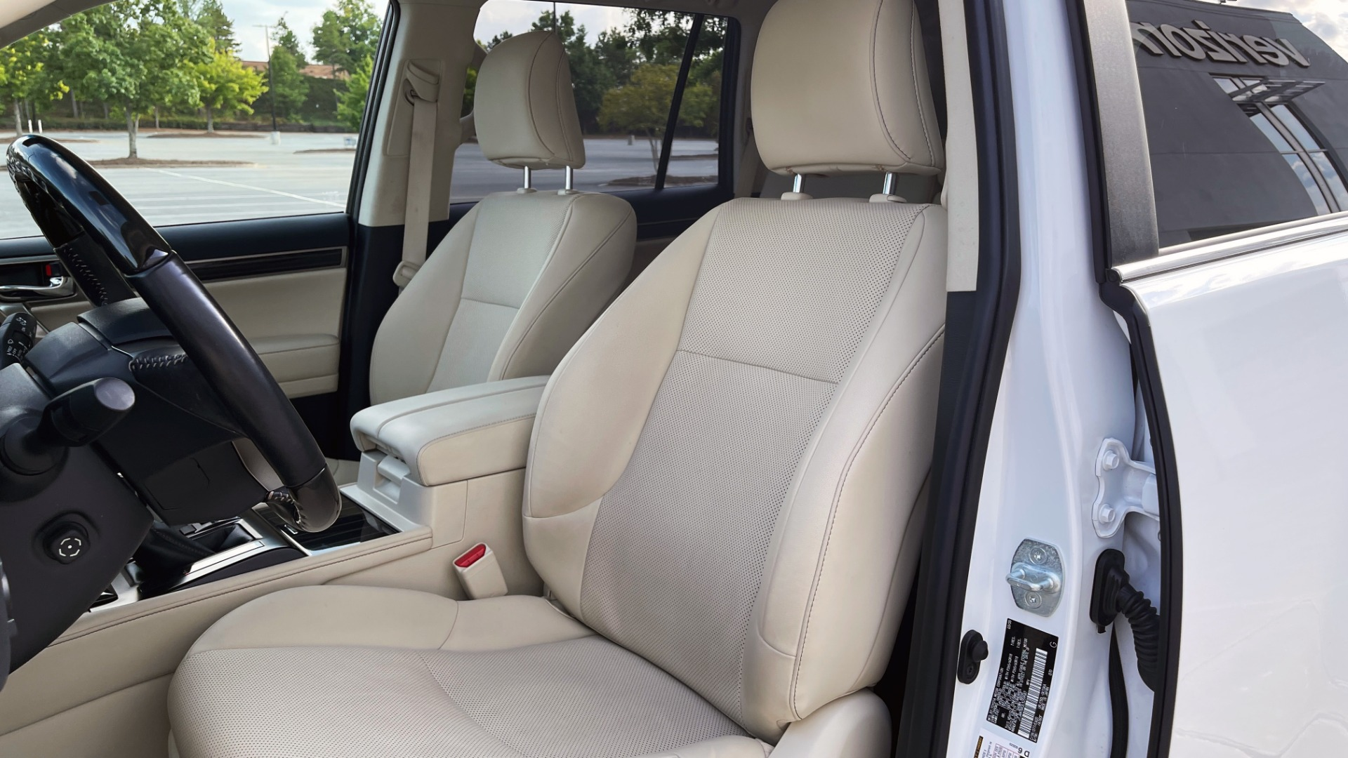 Used 2020 Lexus GX 460 PREMIUM / AWD / NAV / SUNROOF / 3-ROW / REARVIEW for sale $54,495 at Formula Imports in Charlotte NC 28227 29