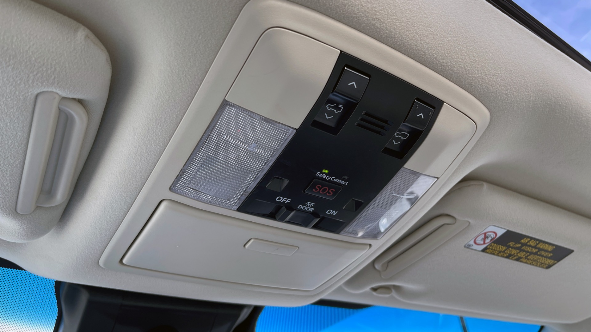 Used 2020 Lexus GX 460 PREMIUM / AWD / NAV / SUNROOF / 3-ROW / REARVIEW for sale $54,495 at Formula Imports in Charlotte NC 28227 47