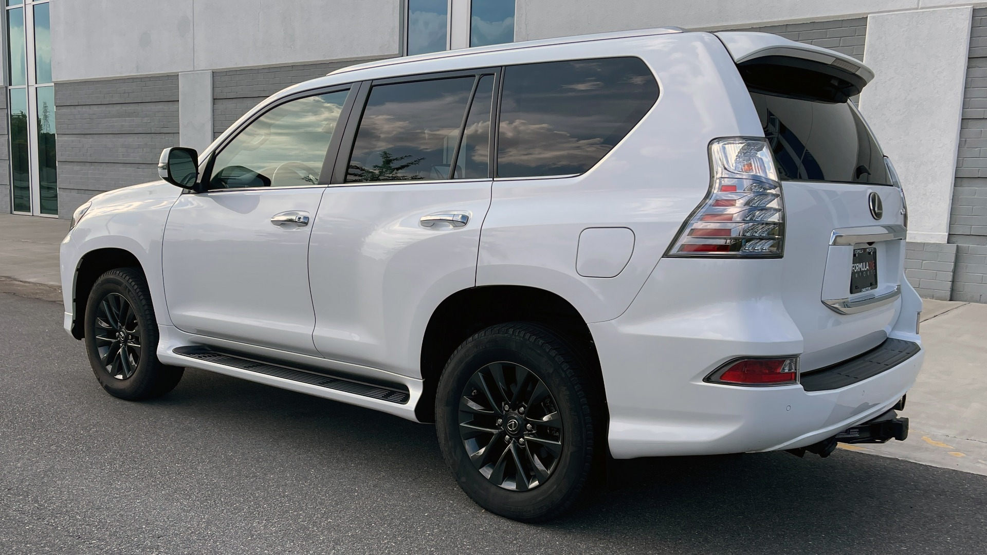 Used 2020 Lexus GX 460 PREMIUM / AWD / NAV / SUNROOF / 3-ROW / REARVIEW for sale $54,495 at Formula Imports in Charlotte NC 28227 5