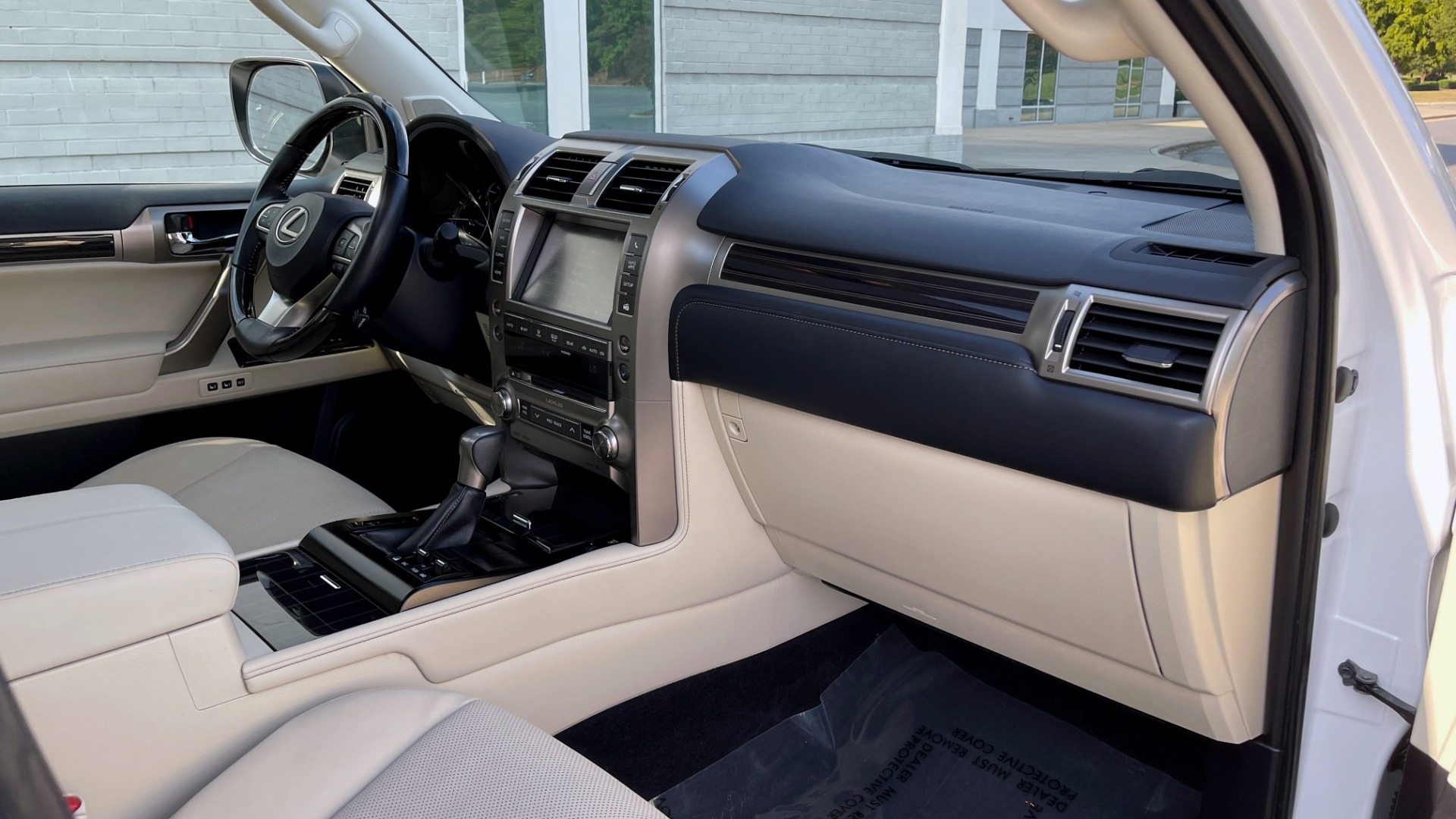 Used 2020 Lexus GX 460 PREMIUM / AWD / NAV / SUNROOF / 3-ROW / REARVIEW for sale $54,495 at Formula Imports in Charlotte NC 28227 64