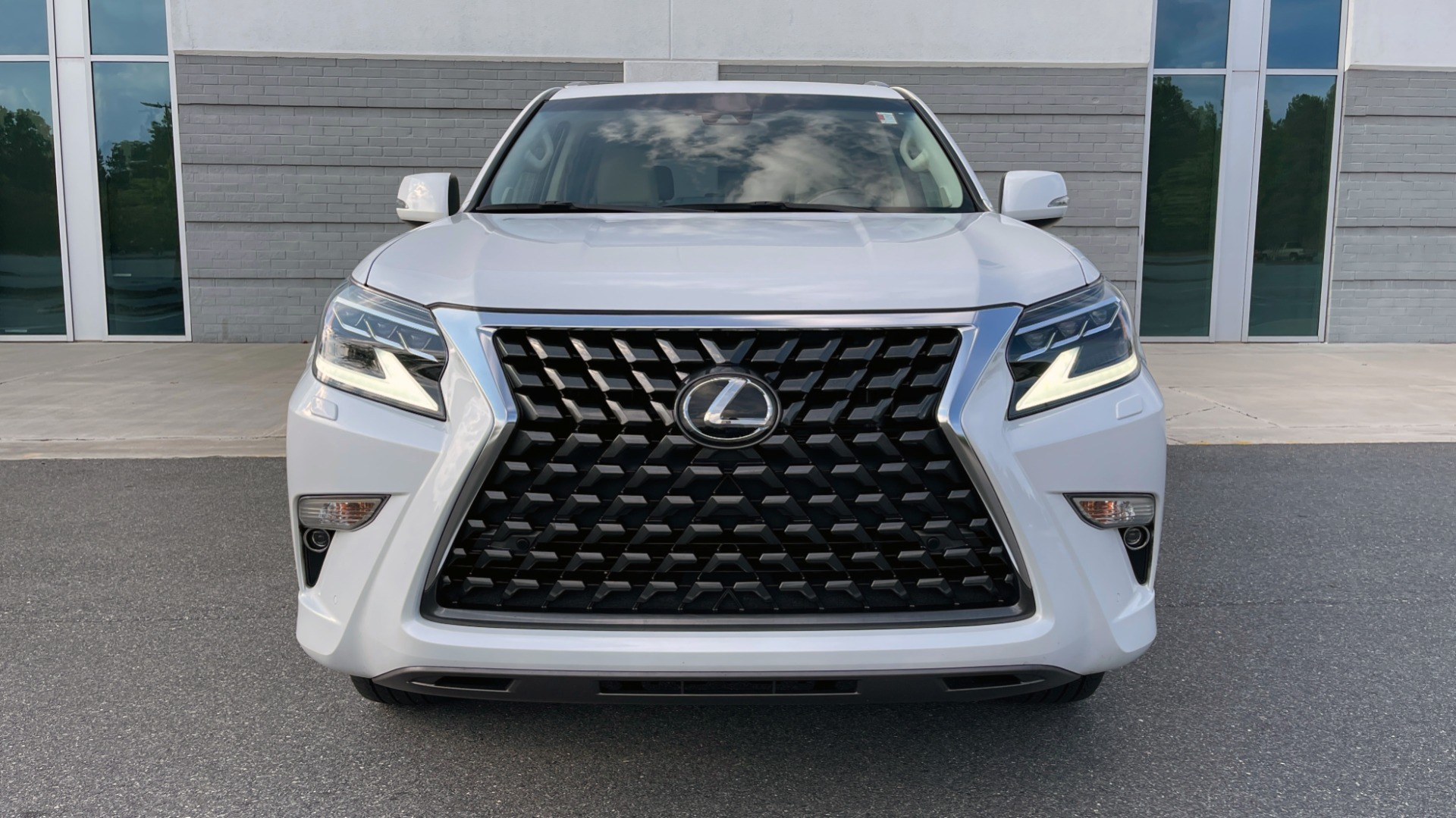 Used 2020 Lexus GX 460 PREMIUM / AWD / NAV / SUNROOF / 3-ROW / REARVIEW for sale $54,495 at Formula Imports in Charlotte NC 28227 9
